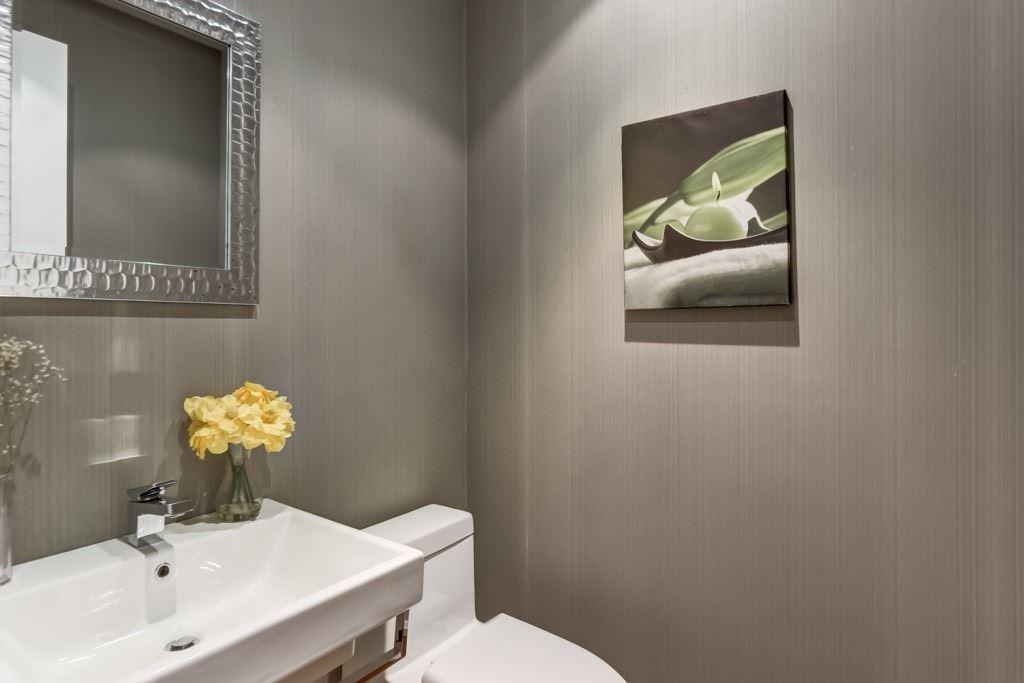 22 Cottingham Rd, Toronto, Ontario M4V1B2, 4 Bedrooms Bedrooms, 11 Rooms Rooms,6 BathroomsBathrooms,Detached,For Sale,Cottingham,C4981960