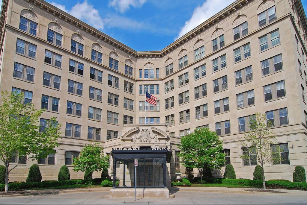 510 Groveland Avenue, Minneapolis, Minnesota 55403, 2 Bedrooms Bedrooms, ,2 BathroomsBathrooms,Residential,For Sale,Groveland,NST5352955