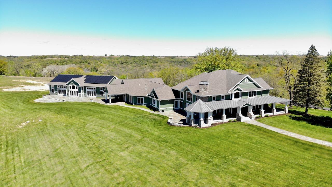 29917 Lenzendorf Ln, Eastman, Wisconsin 53821, 6 Bedrooms Bedrooms, ,8.5 BathroomsBathrooms,Single Family,For Sale,Lenzendorf Ln,1902229