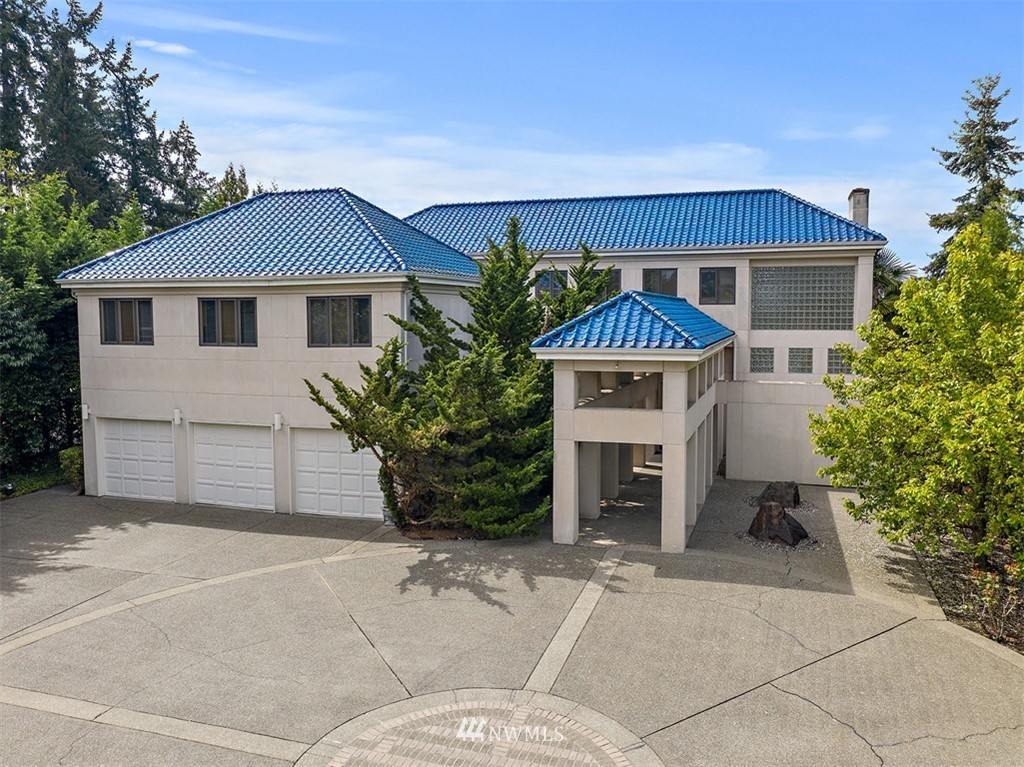 2213 Evergreen Point Road, Medina, Washington 98039, 7 Bedrooms Bedrooms, ,5 BathroomsBathrooms,Residential,For Sale,Evergreen Point,NWM1744477