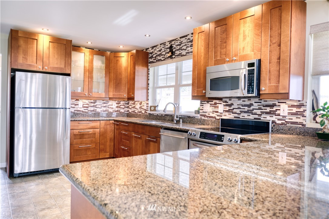 1994 Saturna Place, Point Roberts, Washington 98281, 3 Bedrooms Bedrooms, ,2 BathroomsBathrooms,Residential,For Sale,Saturna,NWM1744391