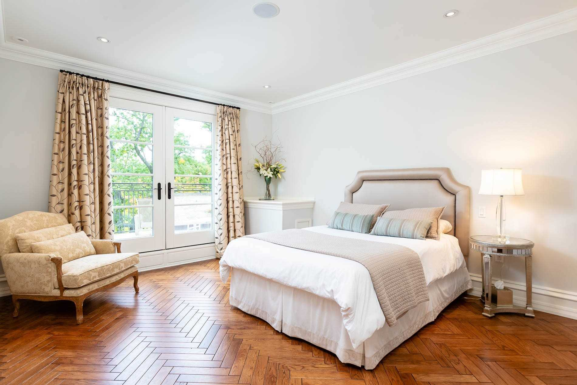 1343 Blythe Rd, Mississauga, Ontario L5H2C2, 7 Bedrooms Bedrooms, 16 Rooms Rooms,9 BathroomsBathrooms,Detached,For Sale,Blythe,W5176040