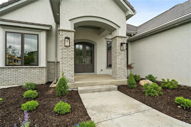 5830 Lucerne Avenue, Kansas City, Missouri 64151, 4 Bedrooms Bedrooms, ,4 BathroomsBathrooms,Residential,For Sale,Lucerne,HMS2313711