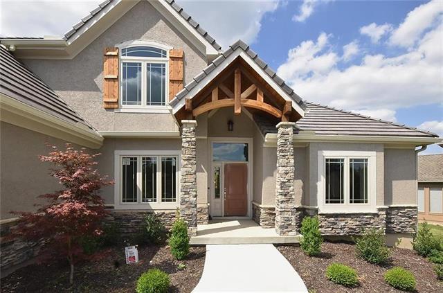 5806 Lucerne Avenue, Kansas City, Missouri 64151, 4 Bedrooms Bedrooms, ,3 BathroomsBathrooms,Residential,For Sale,Lucerne,HMS2316307