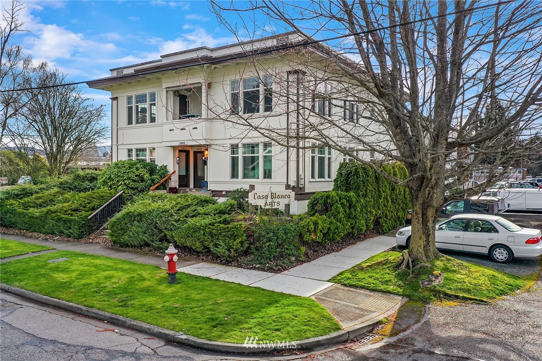 1800 D Street, Bellingham, Washington 98225, ,Residential Income,For Sale,D,NWM1760712