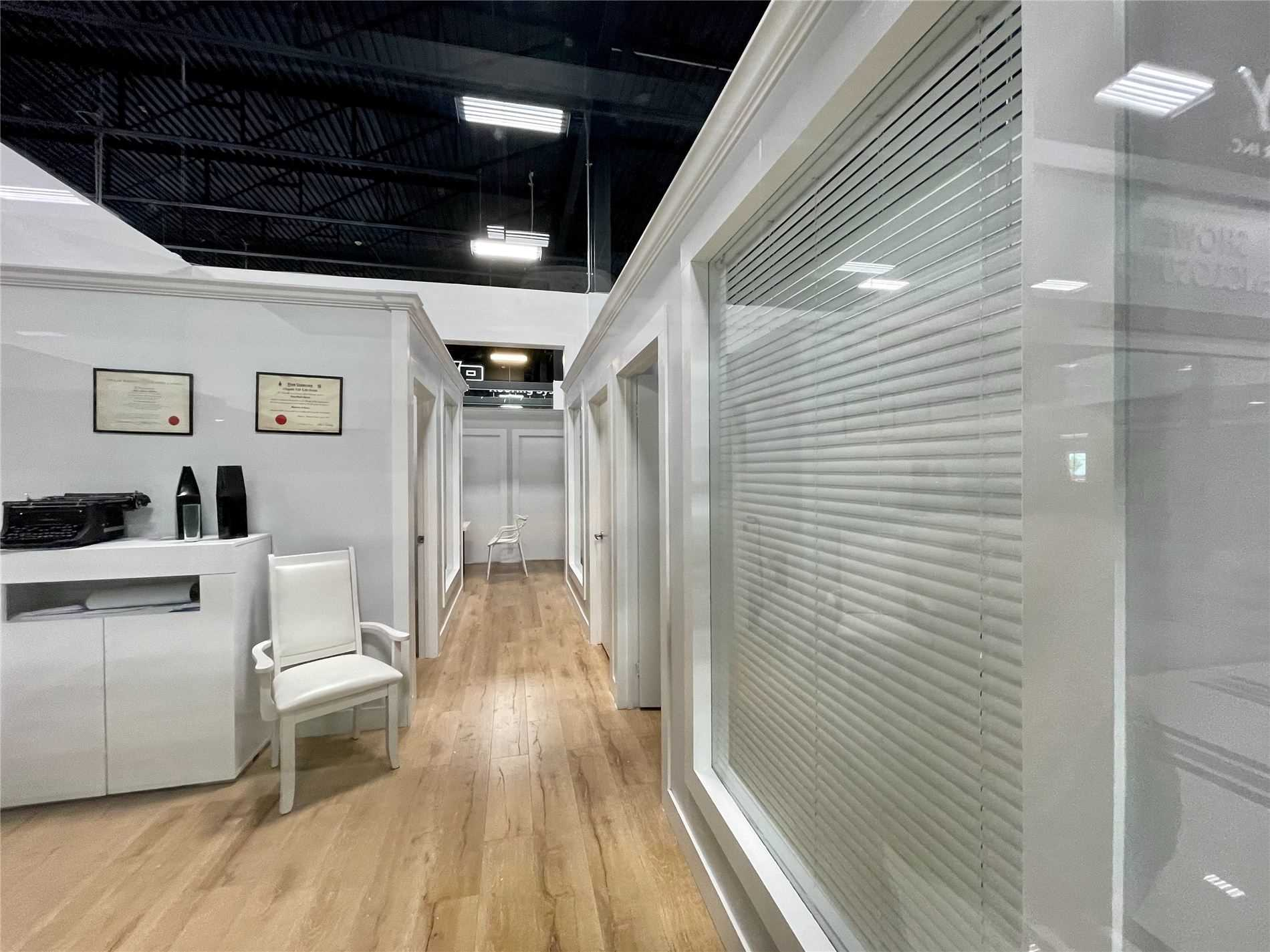 Commercial/retail For Lease In Vaughan , ,Commercial/retail,For Lease,105,Keele