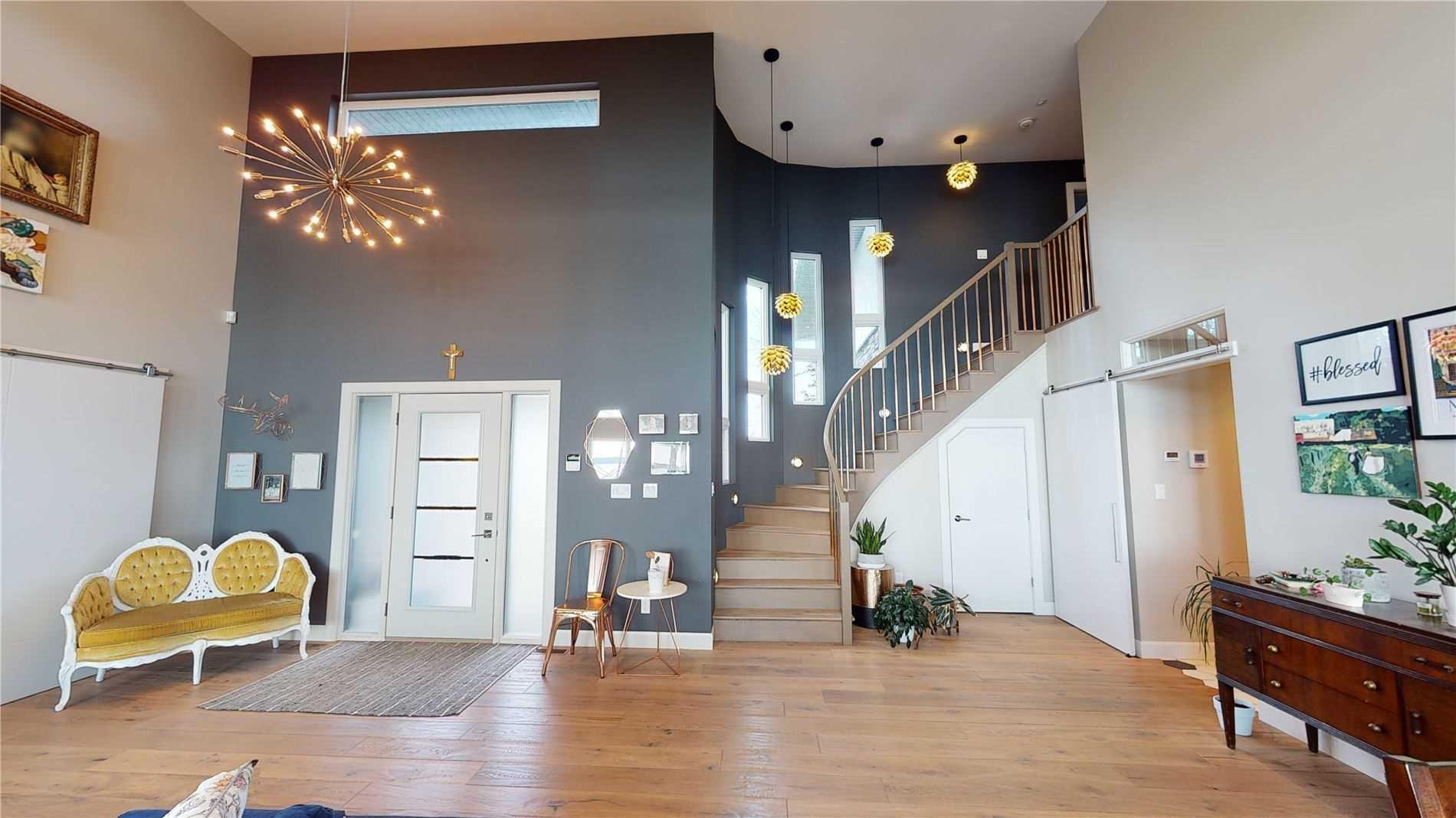 725 Sunnyside Beach Rd, Sault Ste Marie, Ontario P6A6K4, 3 Bedrooms Bedrooms, 10 Rooms Rooms,4 BathroomsBathrooms,Detached,For Sale,Sunnyside Beach,X5230931