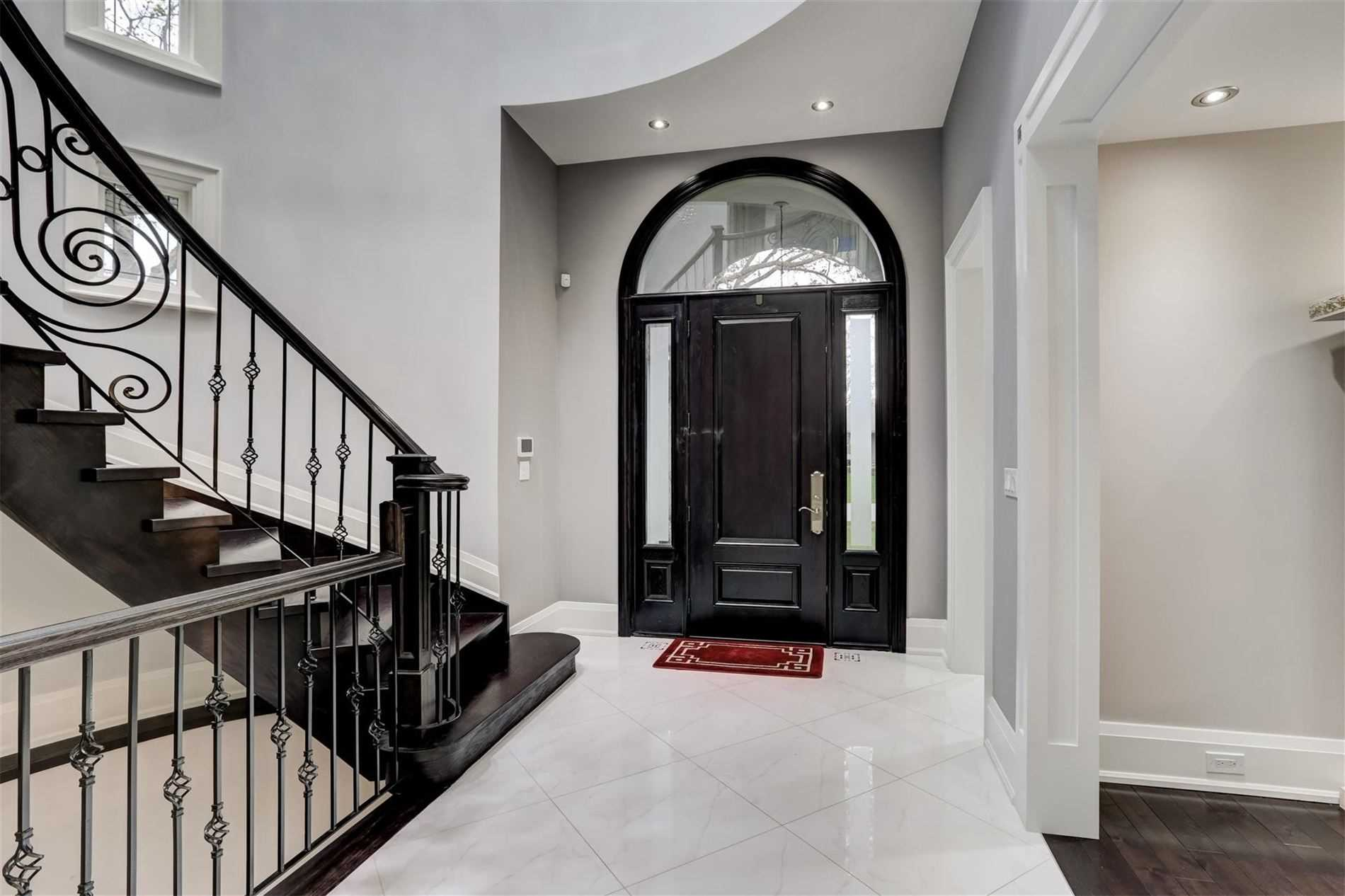 22 Palace Arch Dr, Toronto, Ontario M9A2S1, 4 Bedrooms Bedrooms, 8 Rooms Rooms,6 BathroomsBathrooms,Detached,For Sale,Palace Arch,W5232989