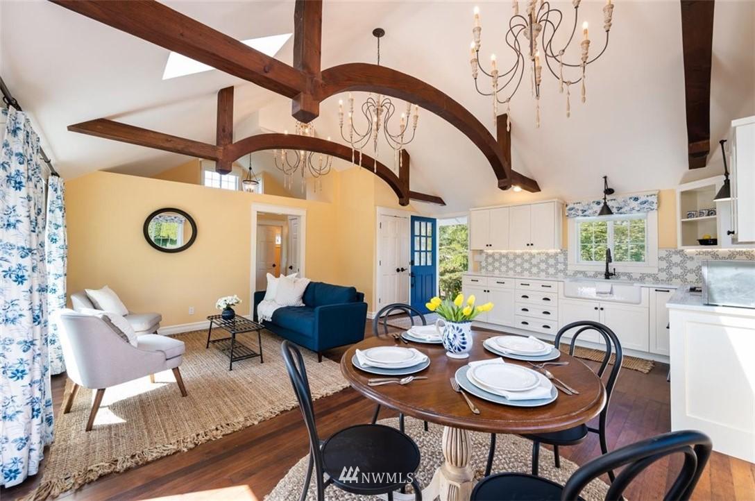 19526 Hickox Road, Mount Vernon, Washington 98274, 7 Bedrooms Bedrooms, ,3 BathroomsBathrooms,Residential,For Sale,Hickox,NWM1774195