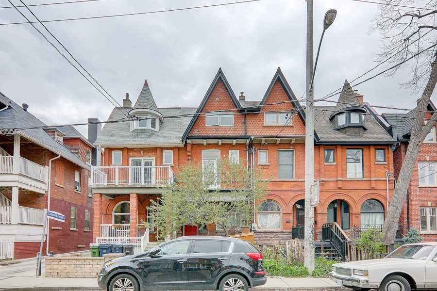 Att/row/twnhouse For Sale In Toronto , 3 Bedrooms Bedrooms, ,3 BathroomsBathrooms,Att/row/twnhouse,For Sale,Oxford