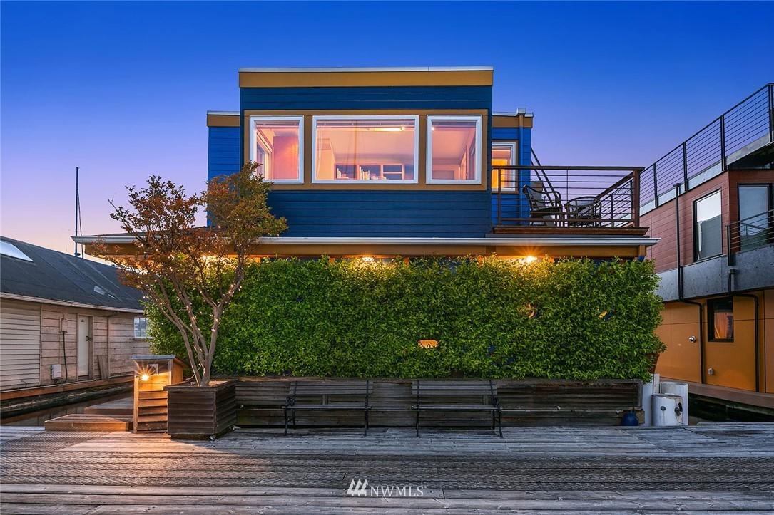 2466 Westlake Avenue, Seattle, Washington 98109, 3 Bedrooms Bedrooms, ,1 BathroomBathrooms,Residential,For Sale,Westlake,NWM1783430
