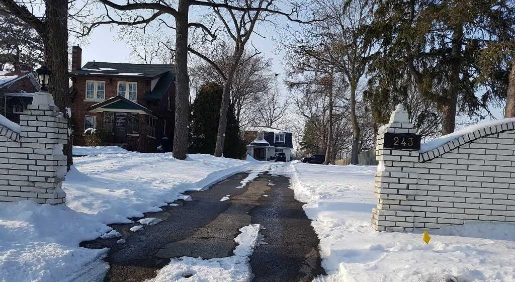 Detached house For Sale In Burlington - 243 Plains Rd, Burlington, Ontario, Canada L7T1G1 , 4 Bedrooms Bedrooms, ,4 BathroomsBathrooms,Detached,For Sale,Plains