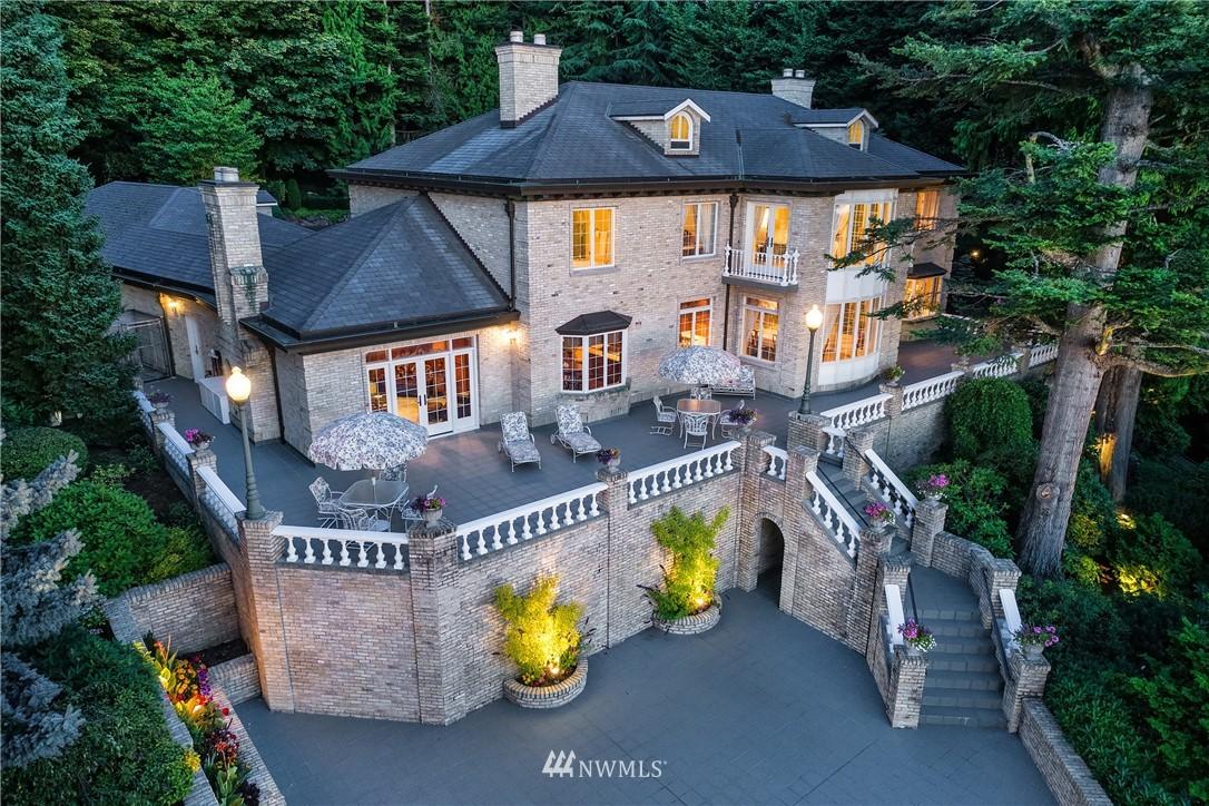17802 Talbot Road, Edmonds, Washington 98026, 3 Bedrooms Bedrooms, ,2 BathroomsBathrooms,Residential,For Sale,Talbot,NWM1788790