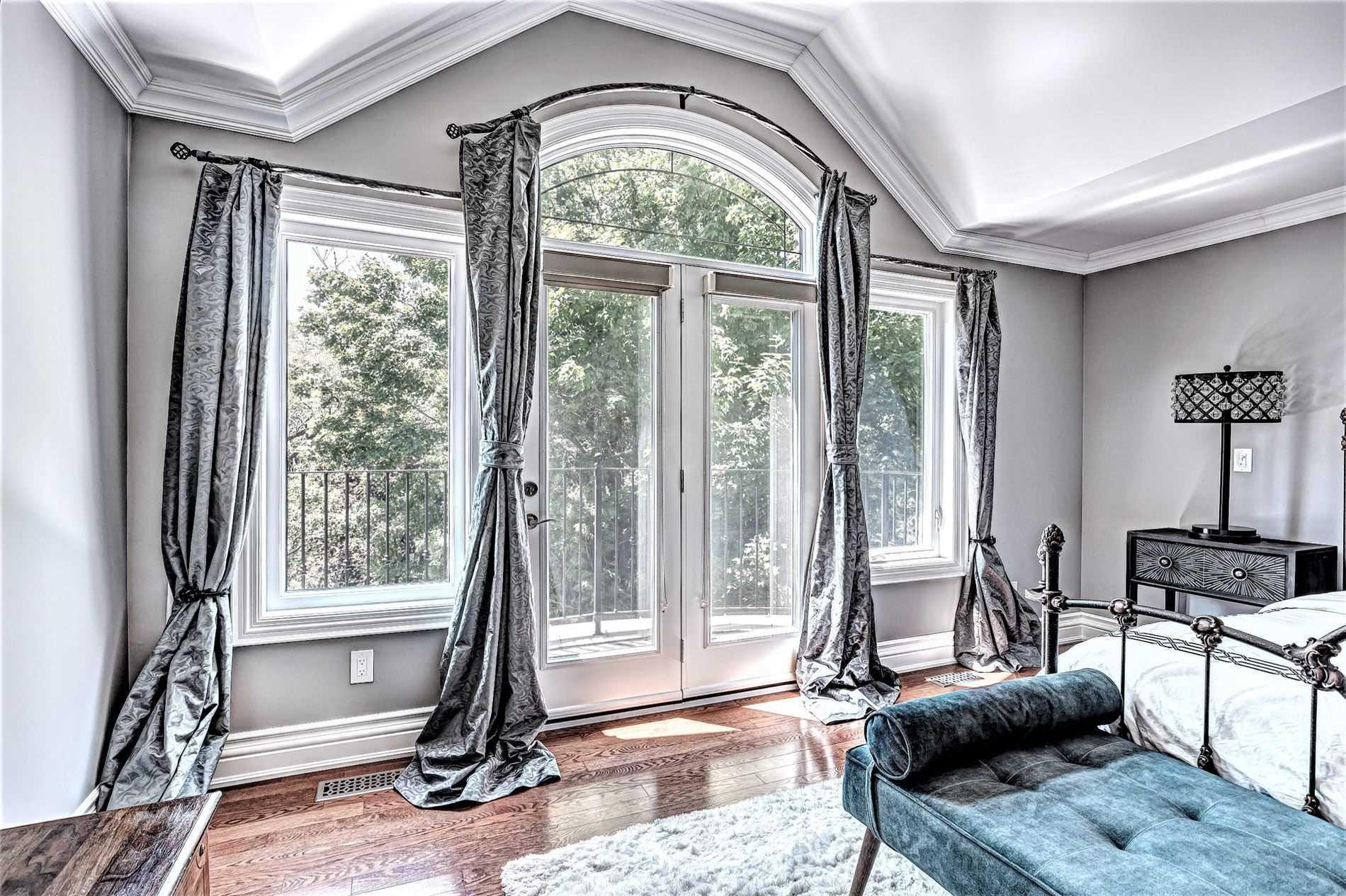 8 Leander Crt, Toronto, Ontario M432W1, 4 Bedrooms Bedrooms, 9 Rooms Rooms,5 BathroomsBathrooms,Detached,For Sale,Leander,E5272521