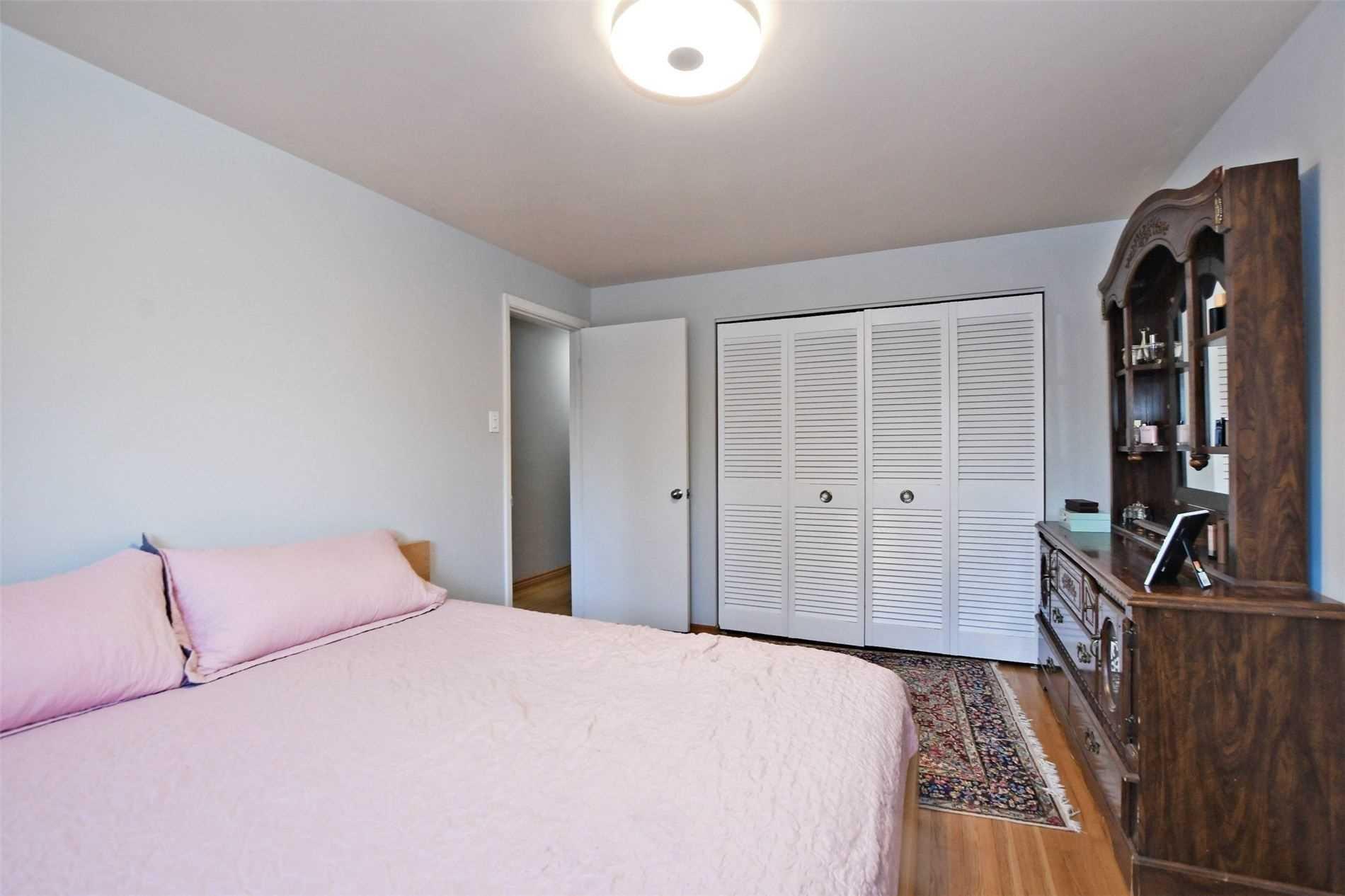 6 Avonmore Sq, Toronto, Ontario M1E1C9, 3 Bedrooms Bedrooms, 6 Rooms Rooms,3 BathroomsBathrooms,Detached,For Sale,Avonmore,E5277763