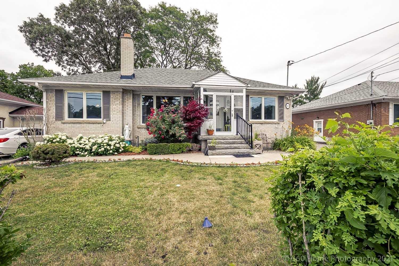 168 Queenslea Ave, Toronto, Ontario M9N2L3, 4 Bedrooms Bedrooms, 8 Rooms Rooms,3 BathroomsBathrooms,Detached,For Sale,Queenslea,W5288899