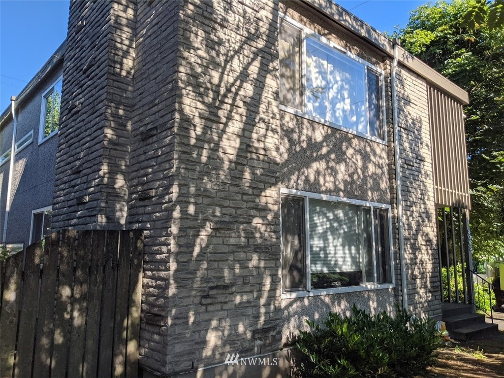 5045 11th Avenue, Seattle, Washington 98105, ,Residential Income,For Sale,11th,NWM1800296
