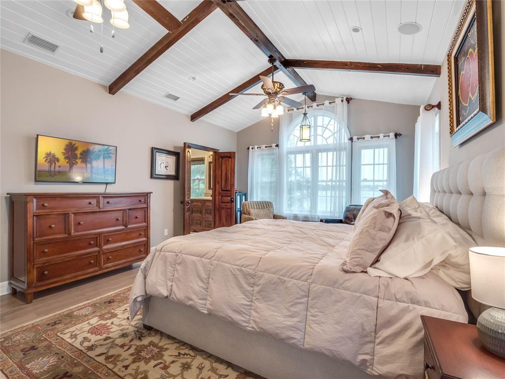 1248 ALEXANDRA COURT, ORLANDO, Florida 32804, 5 Bedrooms Bedrooms, ,4 BathroomsBathrooms,Residential,For Sale,ALEXANDRA,MFRO5953518