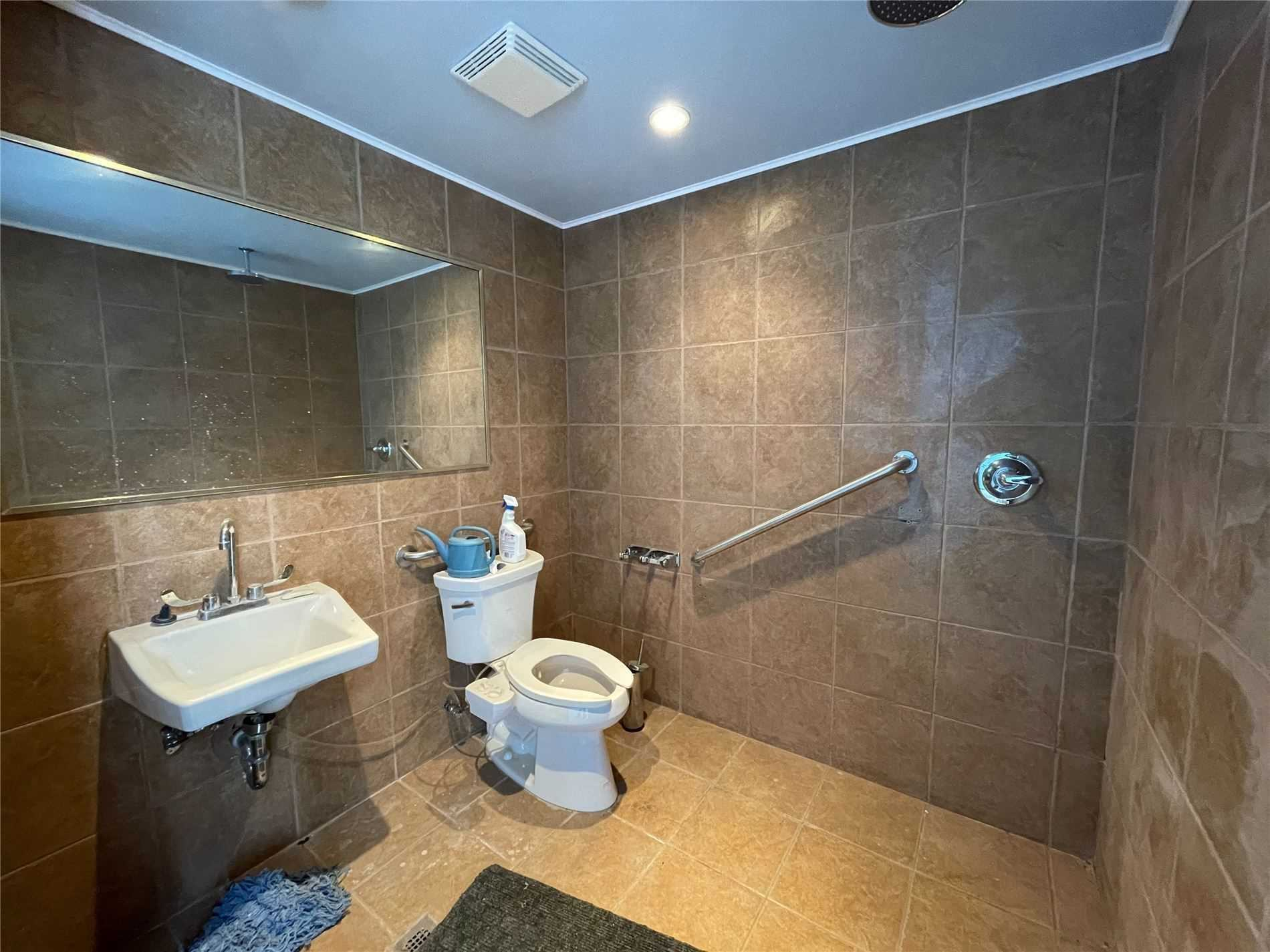 Commercial/retail For Lease In Burlington , ,1 BathroomBathrooms,Commercial/retail,For Lease,4,Palladium