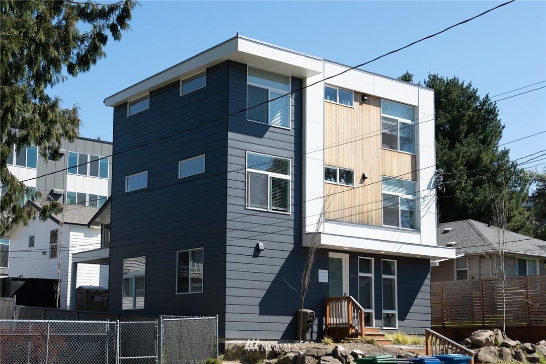 5634 Brooklyn Avenue, Seattle, Washington 98105, ,Residential Income,For Sale,Brooklyn,NWM1803470