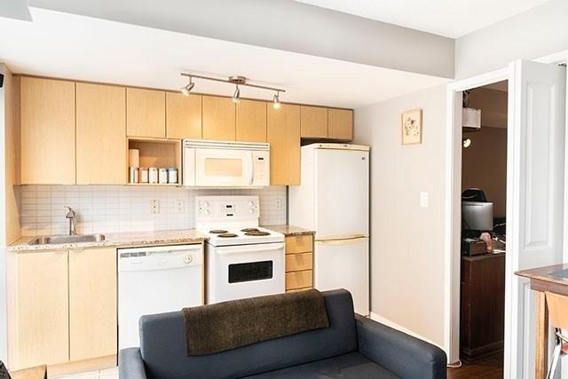 Condo Apt For Lease In Toronto , 1 Bedroom Bedrooms, ,1 BathroomBathrooms,Condo Apt,For Lease,709,Brunel