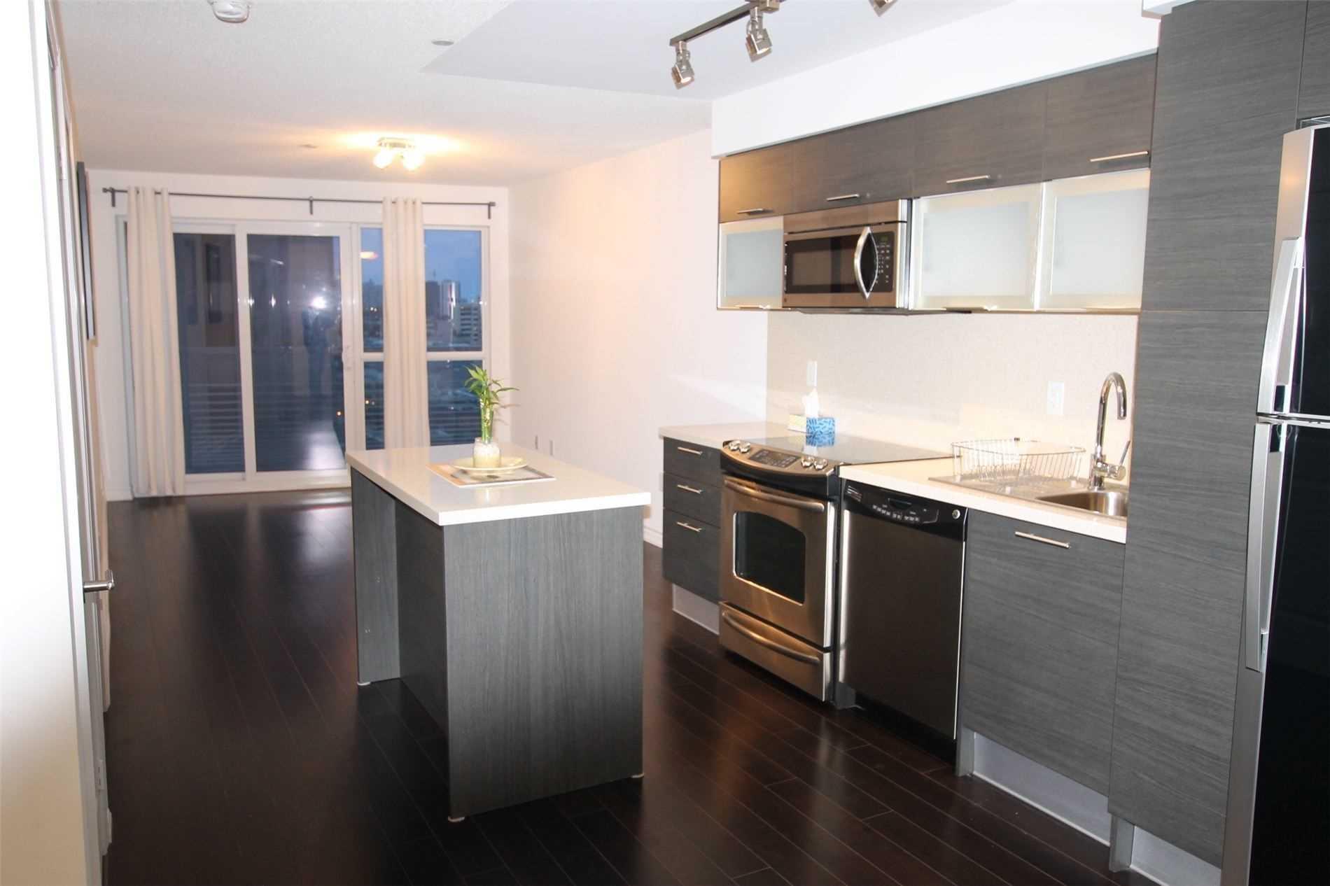 Condo Apt For Lease In Toronto , 1 Bedroom Bedrooms, ,2 BathroomsBathrooms,Condo Apt,For Lease,903,Yonge