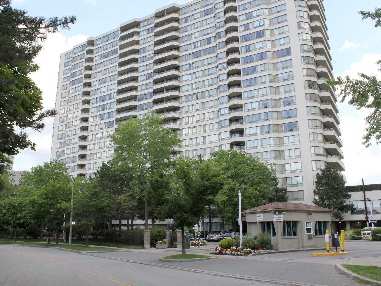 Condo Apt For Sale In Toronto , 2 Bedrooms Bedrooms, ,1 BathroomBathrooms,Condo Apt,For Sale,1208,Greystone Walk