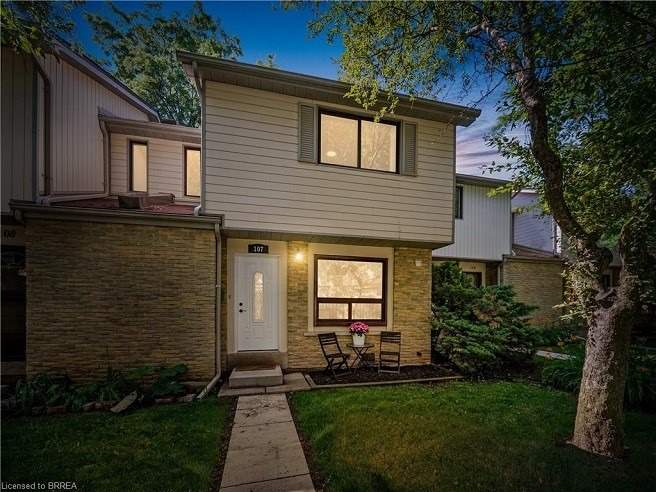 Condo Townhouse For Sale In Mississauga , 3 Bedrooms Bedrooms, ,2 BathroomsBathrooms,Condo Townhouse,For Sale,107,Falconer