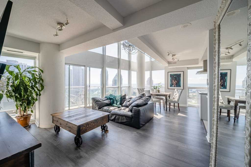 Condo Apt For Sale In Toronto , 2 Bedrooms Bedrooms, ,2 BathroomsBathrooms,Condo Apt,For Sale,2304,Legion