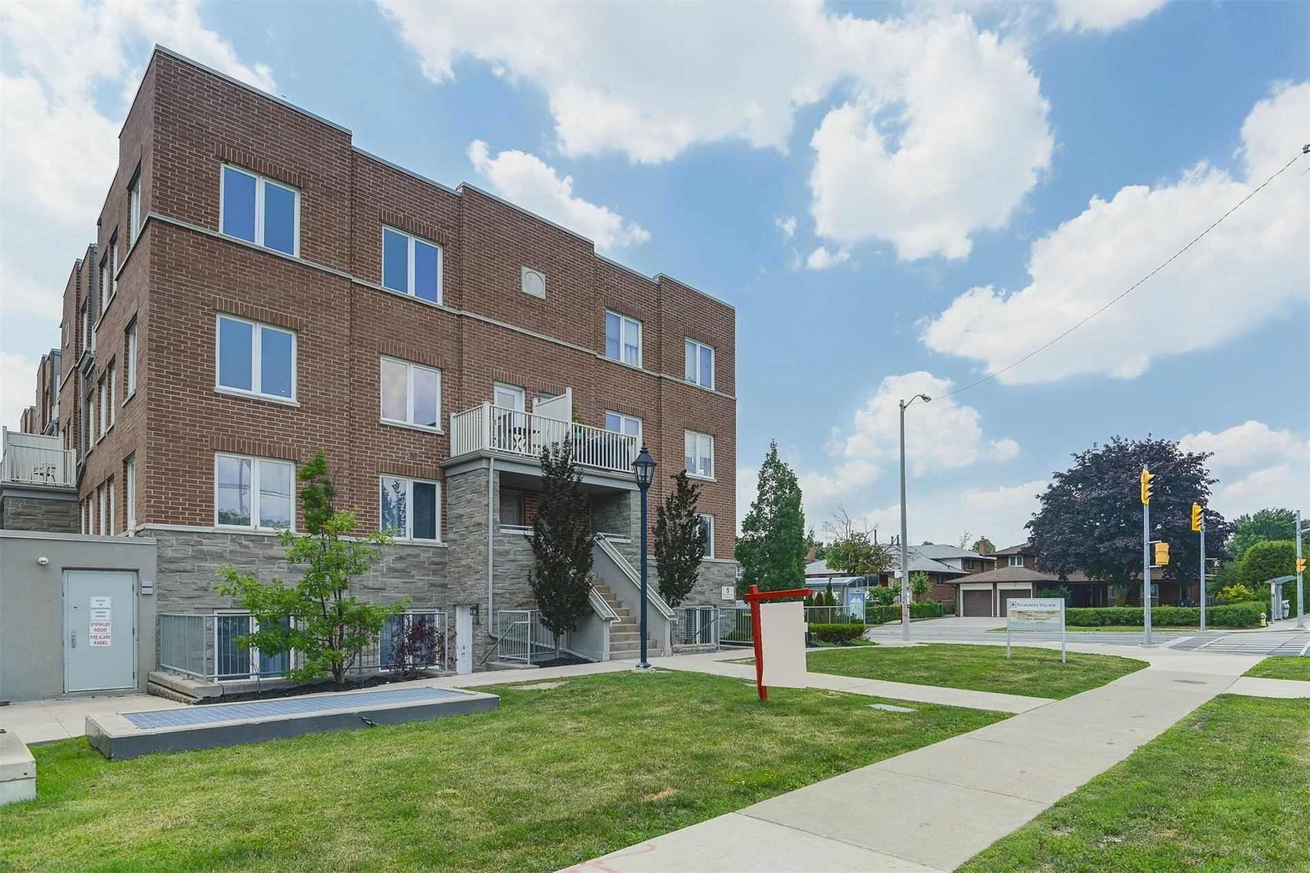 Condo Townhouse For Sale In Toronto , 3 Bedrooms Bedrooms, ,3 BathroomsBathrooms,Condo Townhouse,For Sale,220,Richgrove