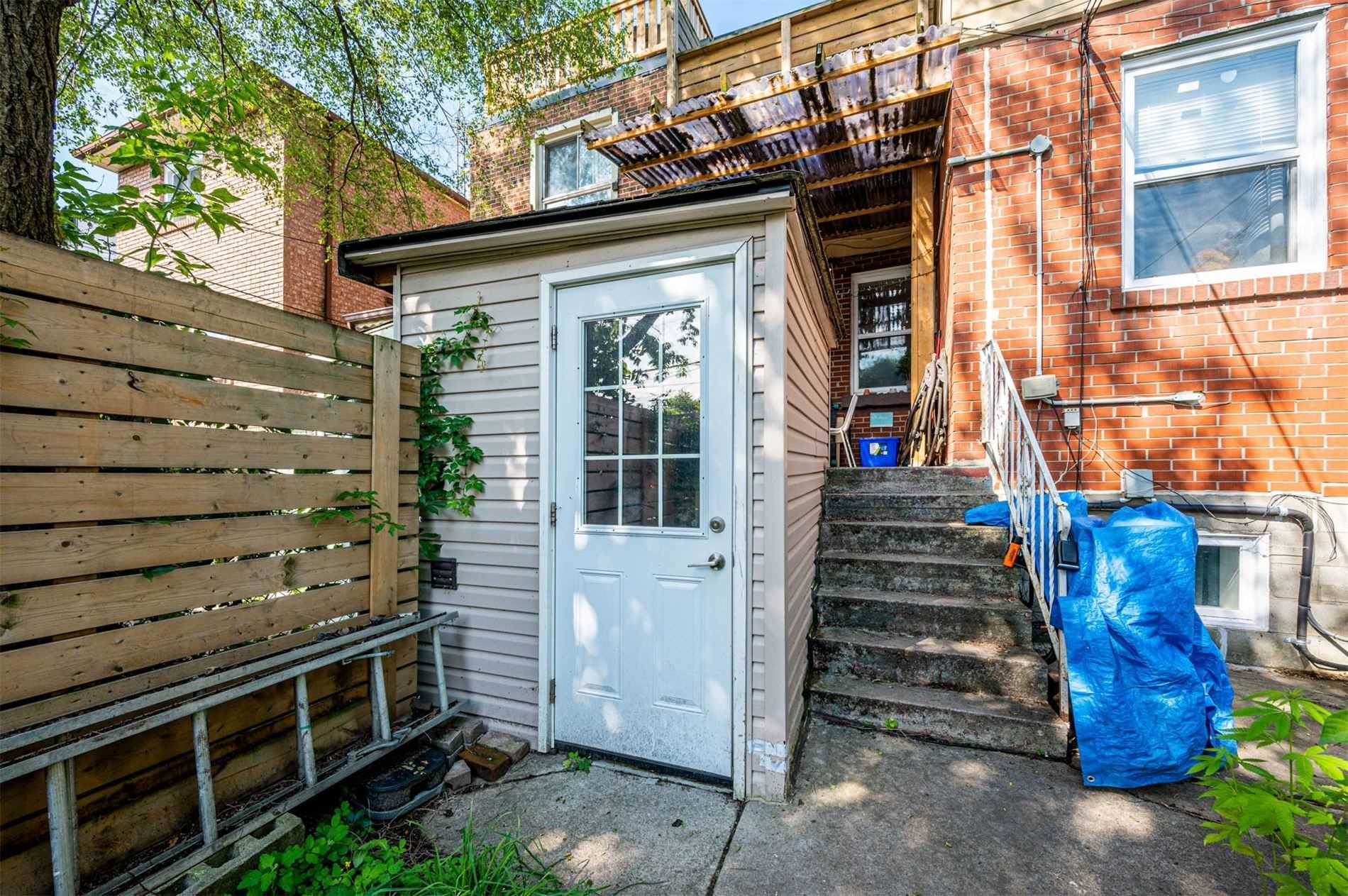 Semi-Detached For Lease In Toronto , 2 Bedrooms Bedrooms, ,1 BathroomBathrooms,Semi-Detached,For Lease,Lower,Clinton