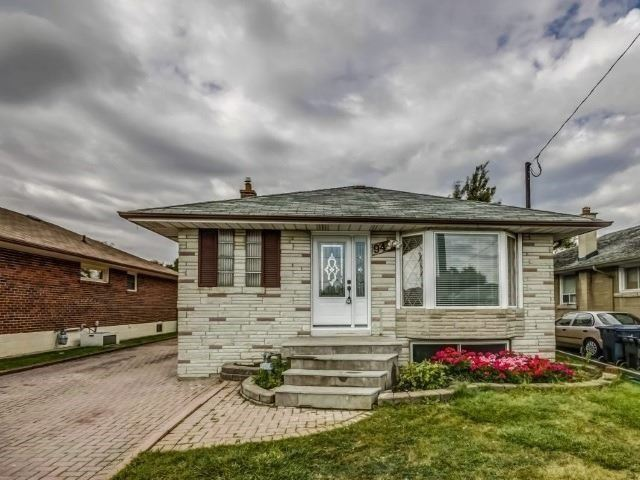 Detached house For Lease In Toronto - 94 Waringstown Dr, Toronto, Ontario, Canada M1R4H4 , 2 Bedrooms Bedrooms, ,1 BathroomBathrooms,Detached,For Lease,Waringstown