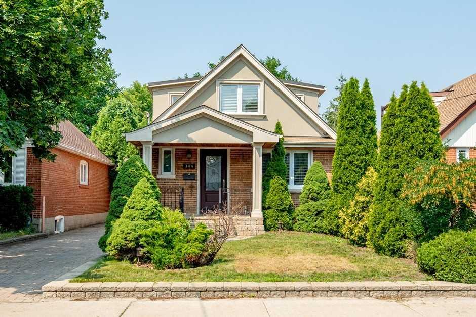 Detached house For Lease In Toronto - 306 Glebemount Ave, Toronto, Ontario, Canada M4C3V3 , 4 Bedrooms Bedrooms, ,2 BathroomsBathrooms,Detached,For Lease,Main,Glebemount