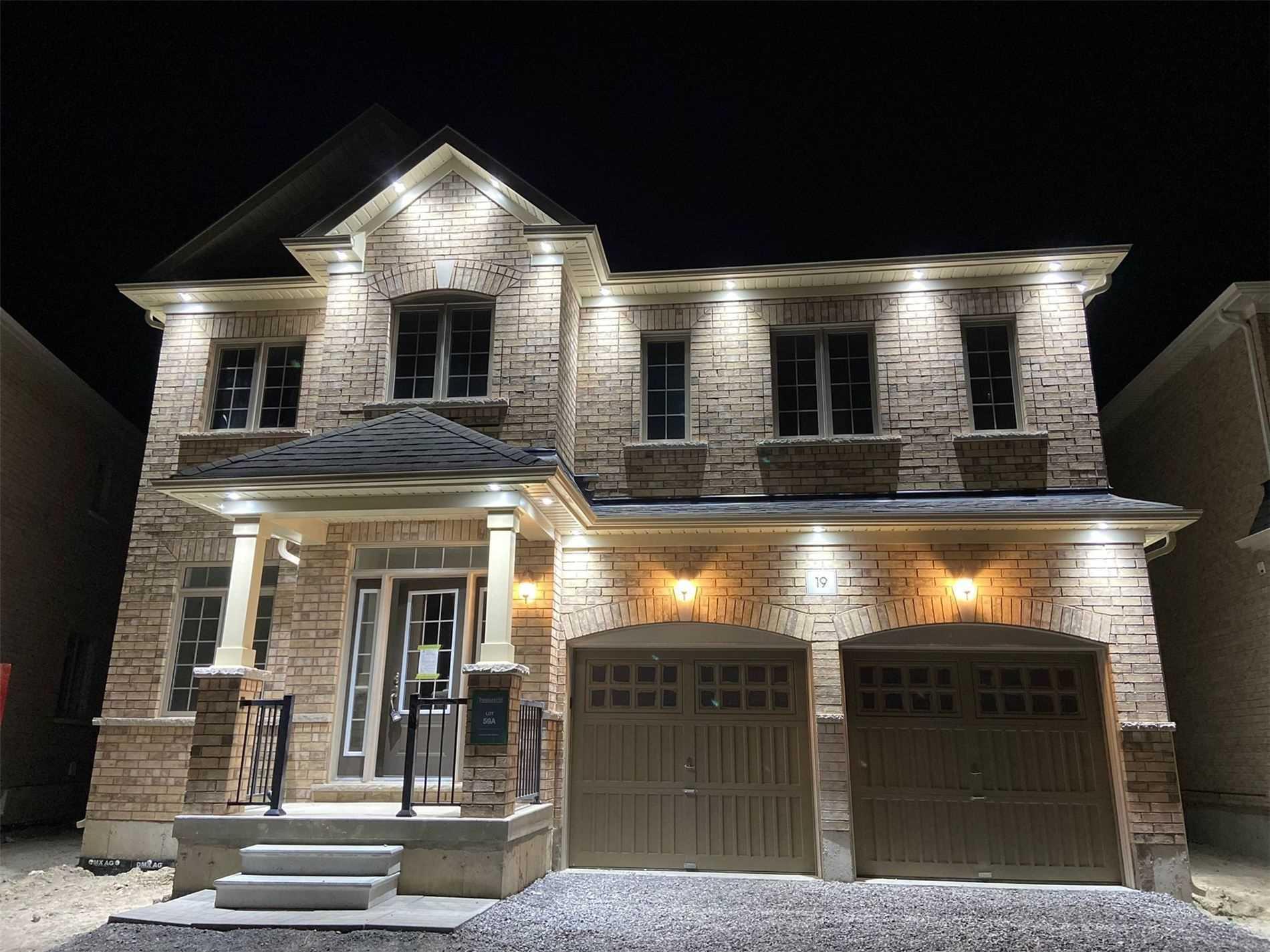 Detached house For Sale In Clarington - 19 Douglas Kemp Cres, Clarington, Ontario, Canada L1C 7E3 , 4 Bedrooms Bedrooms, ,5 BathroomsBathrooms,Detached,For Sale,Douglas Kemp
