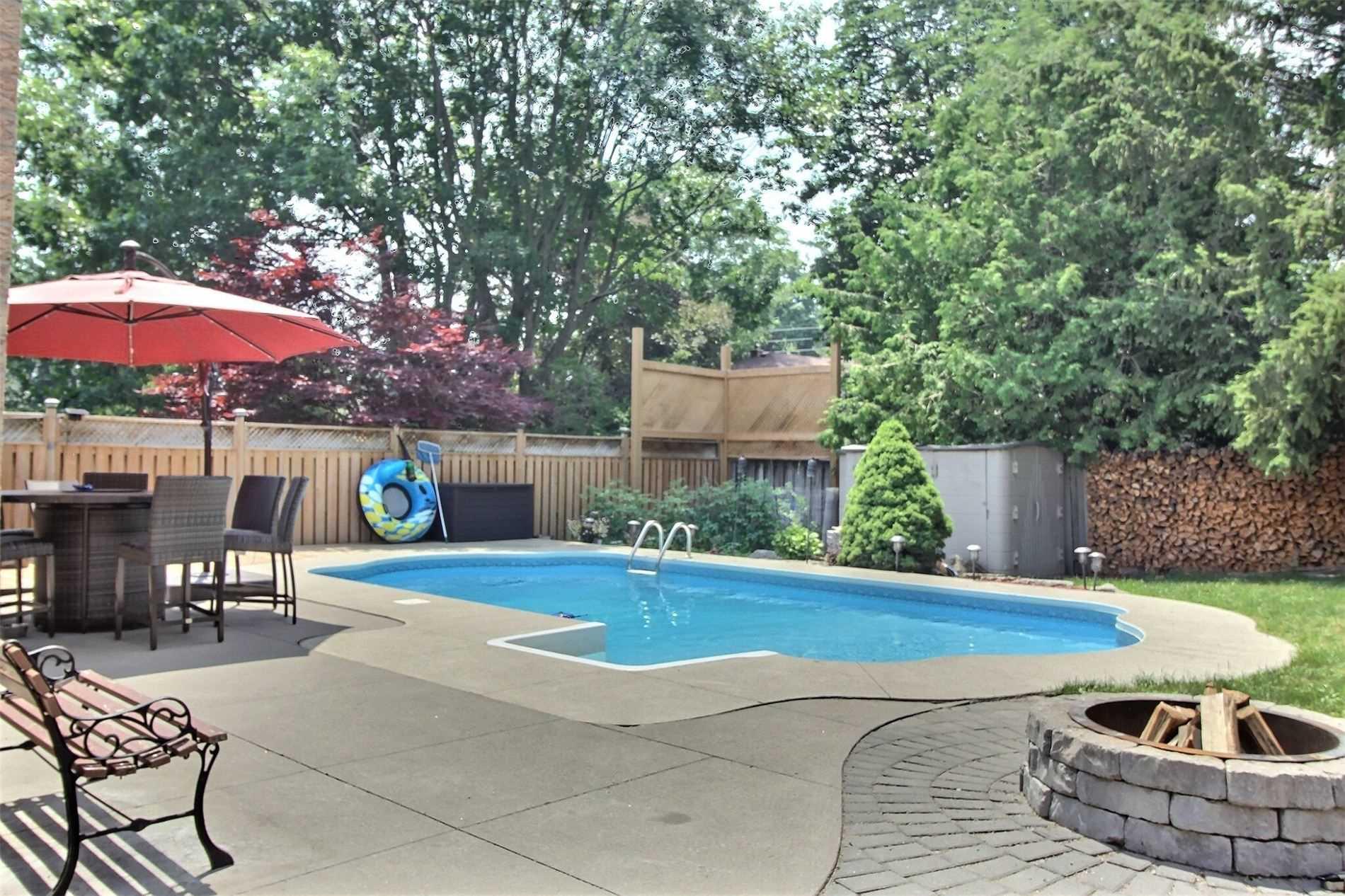 Detached house For Sale In Clarington - 49 Farncomb Cres, Clarington, Ontario, Canada L1C4L8 , 4 Bedrooms Bedrooms, ,4 BathroomsBathrooms,Detached,For Sale,Farncomb