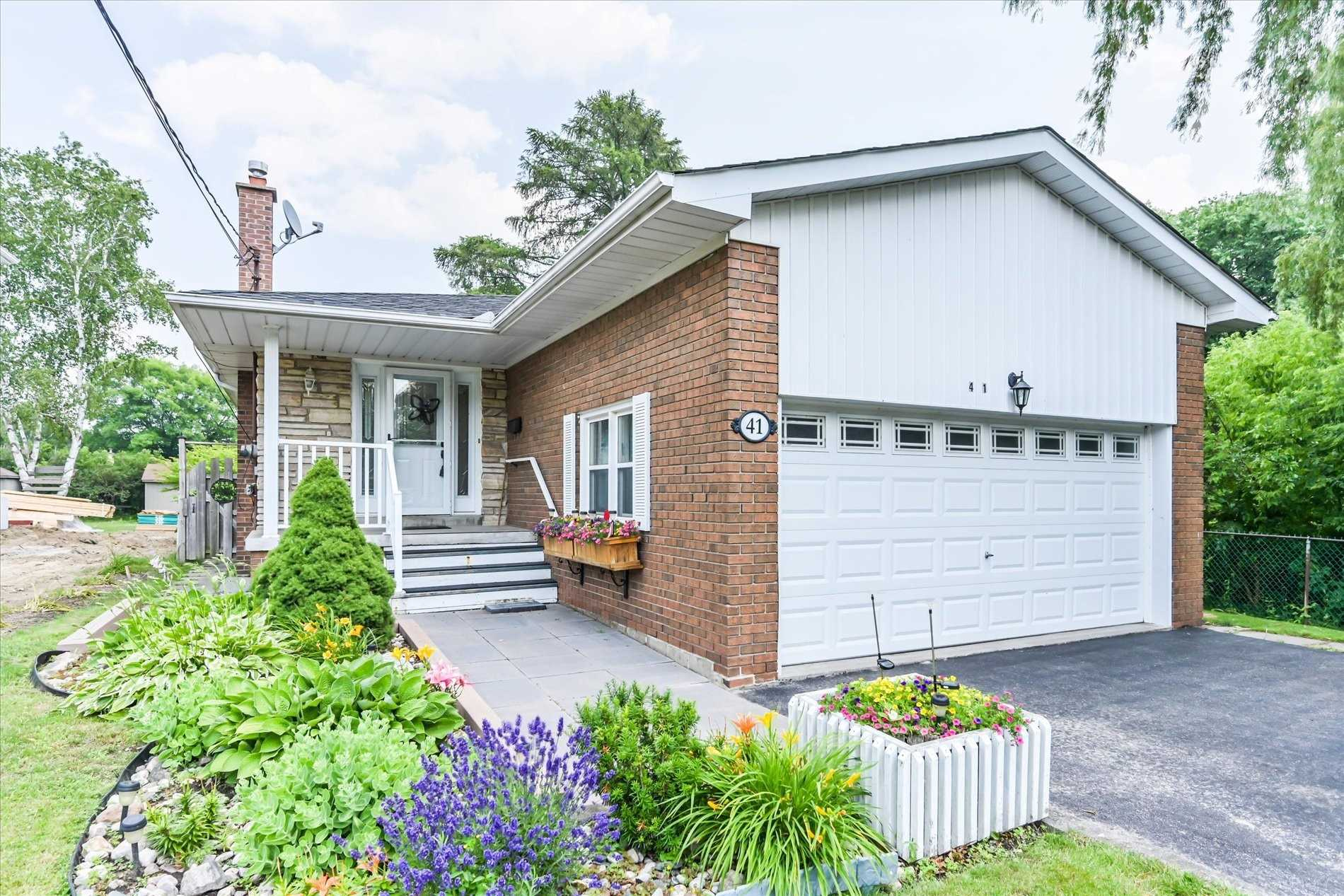 Detached house For Sale In Toronto - 41 Dunstall Cres, Toronto, Ontario, Canada M1E3M5 , 4 Bedrooms Bedrooms, ,2 BathroomsBathrooms,Detached,For Sale,Dunstall