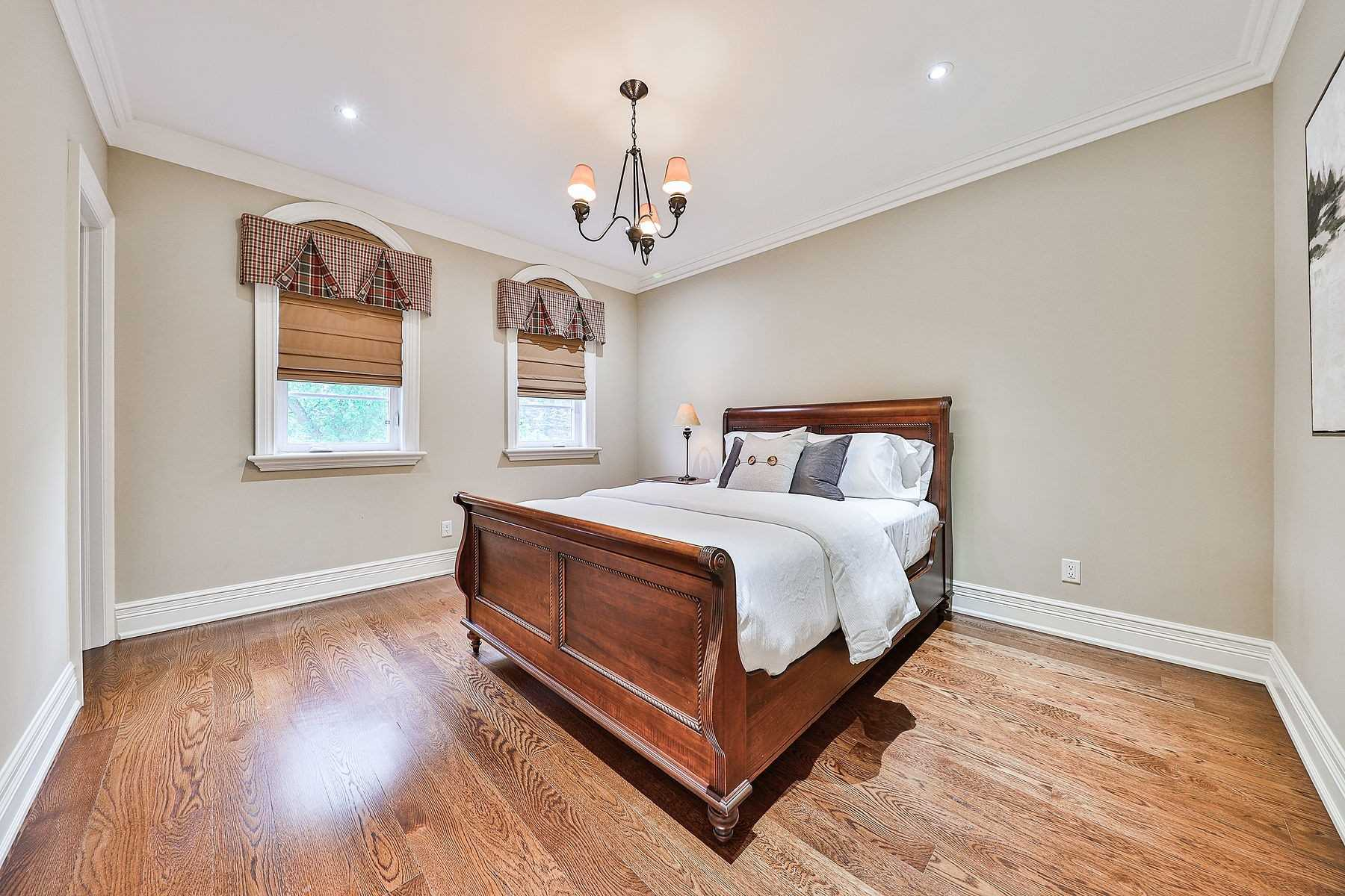 Detached house For Sale In Vaughan - 8477 Islington Ave, Vaughan, Ontario, Canada L4L 1X3 , 5 Bedrooms Bedrooms, ,4 BathroomsBathrooms,Detached,For Sale,Islington