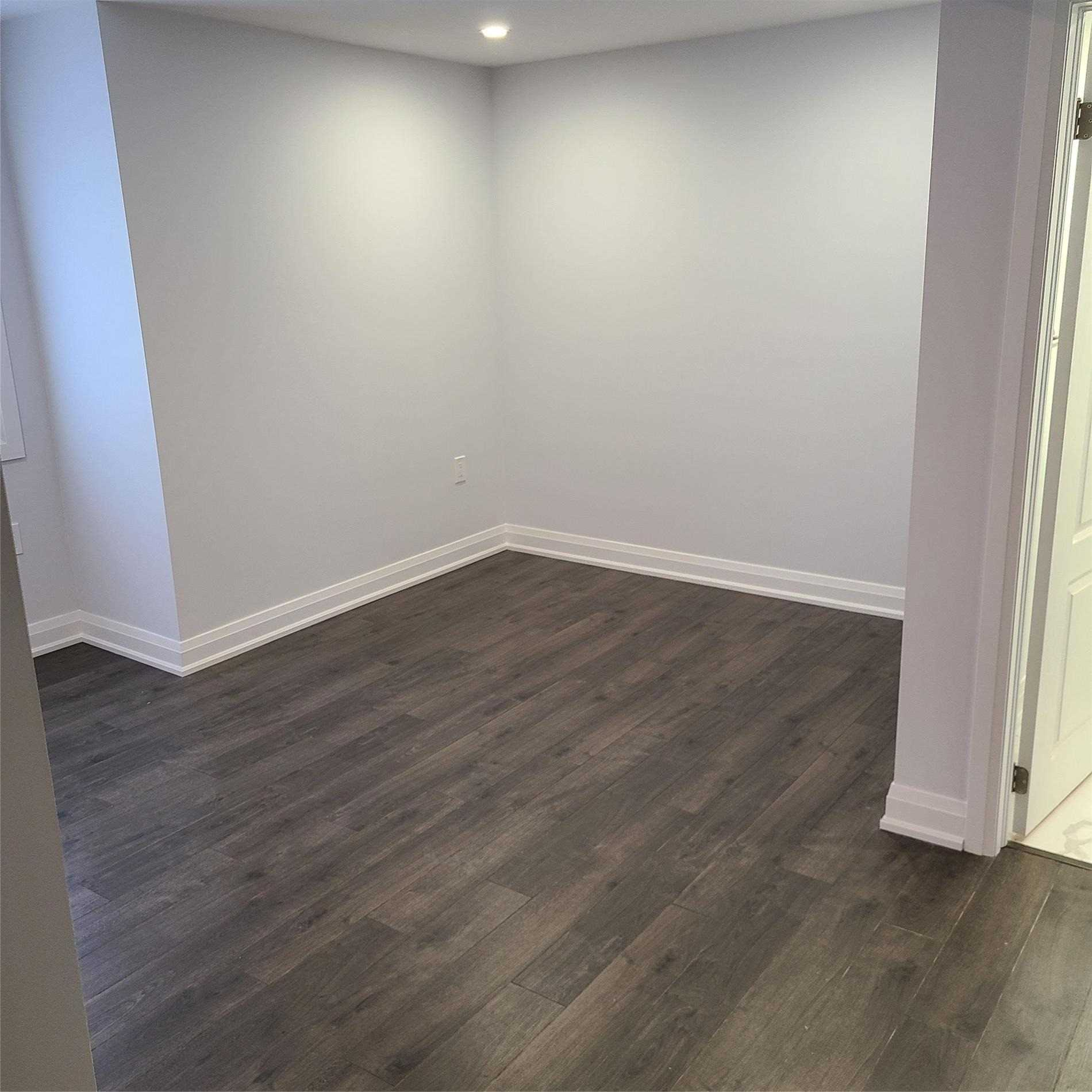Detached house For Lease In Richmond Hill - 21 Stookes Cres, Richmond Hill, Ontario, Canada L4E0J4 , 2 Bedrooms Bedrooms, ,2 BathroomsBathrooms,Detached,For Lease,Stookes