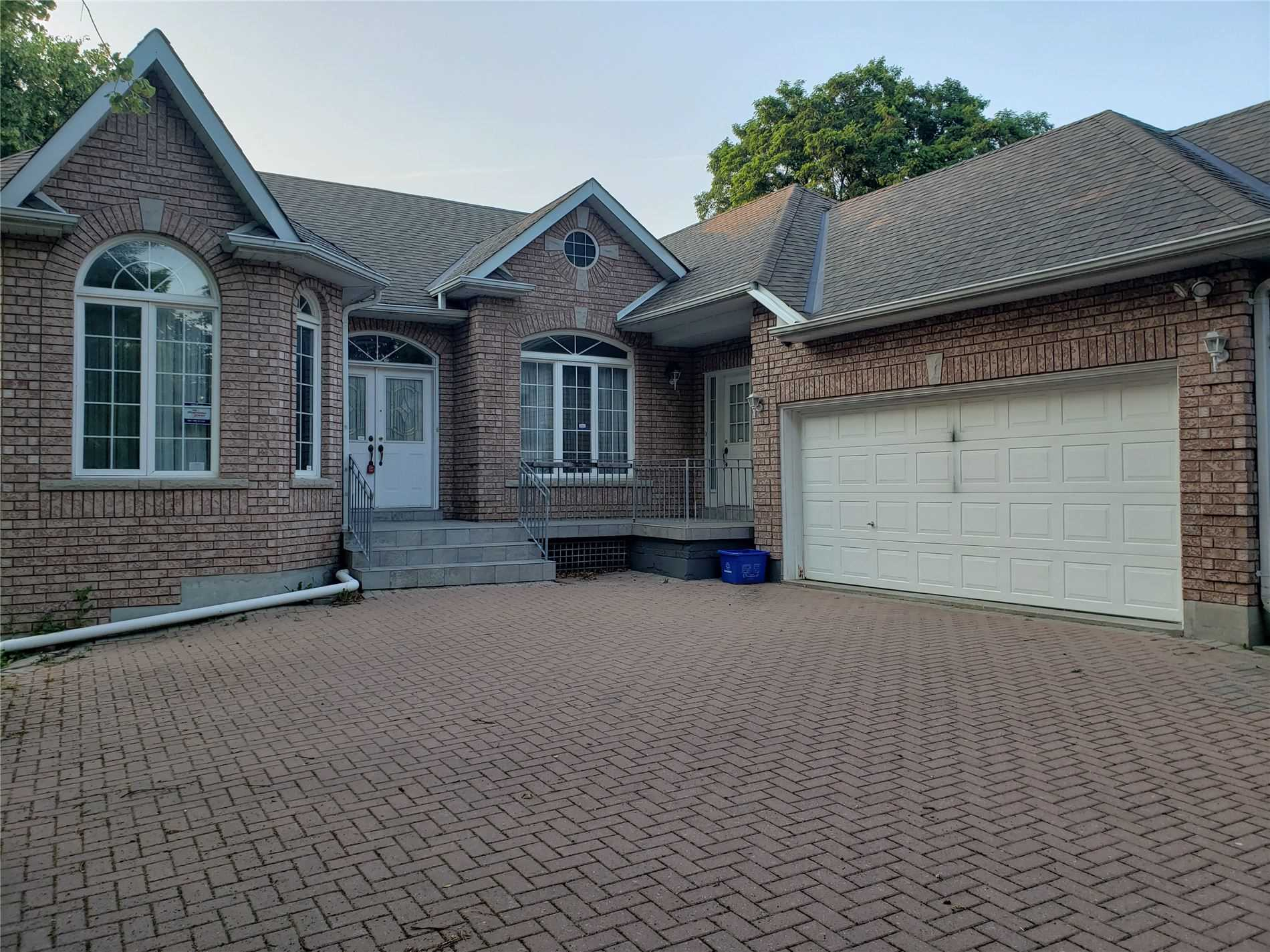 Detached house For Lease In Richmond Hill - 282 Elgin Mills Rd, Richmond Hill, Ontario, Canada L4C4M2 , 2 Bedrooms Bedrooms, ,2 BathroomsBathrooms,Detached,For Lease,Bsm,Elgin Mills