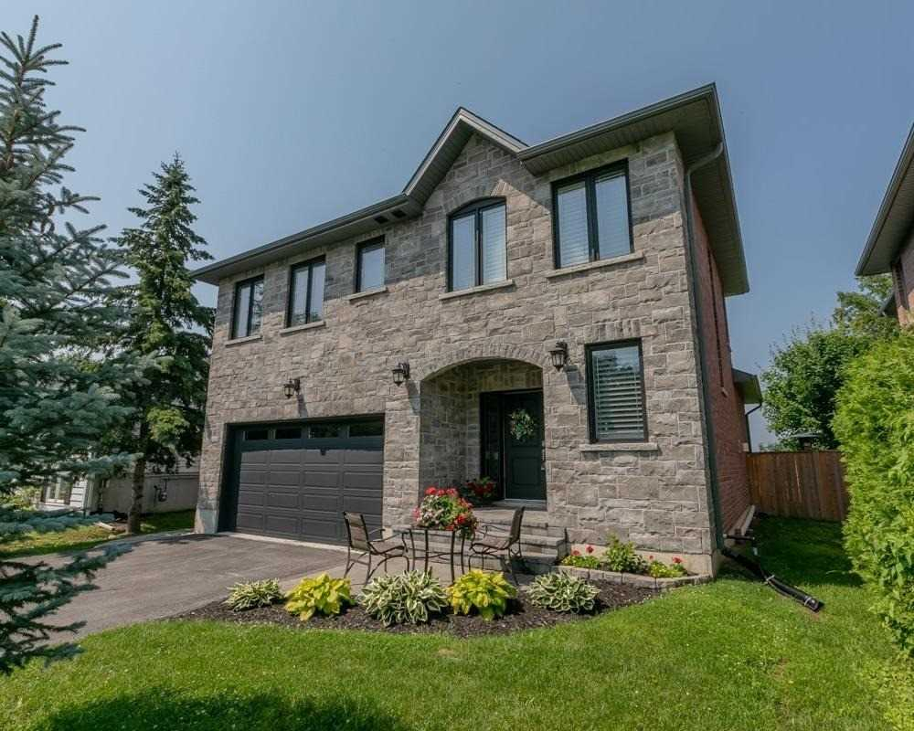 Detached house For Sale In Georgina - 530 Duclos Point Rd, Georgina, Ontario, Canada L0E1N0 , 4 Bedrooms Bedrooms, ,3 BathroomsBathrooms,Detached,For Sale,Duclos Point