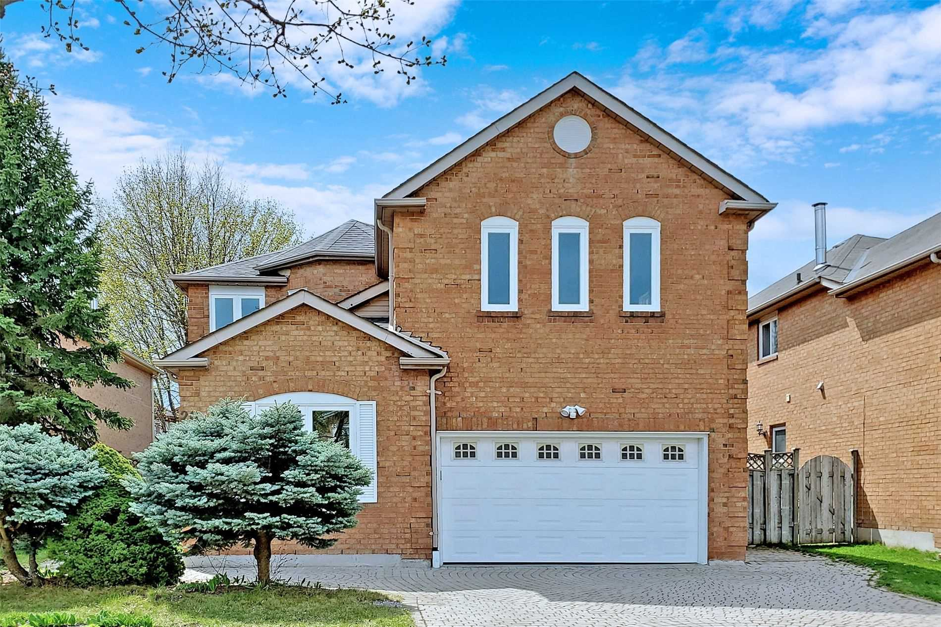 Detached house For Sale In Markham - 26 Corby Rd, Markham, Ontario, Canada L3R 8M8 , 4 Bedrooms Bedrooms, ,3 BathroomsBathrooms,Detached,For Sale,Corby