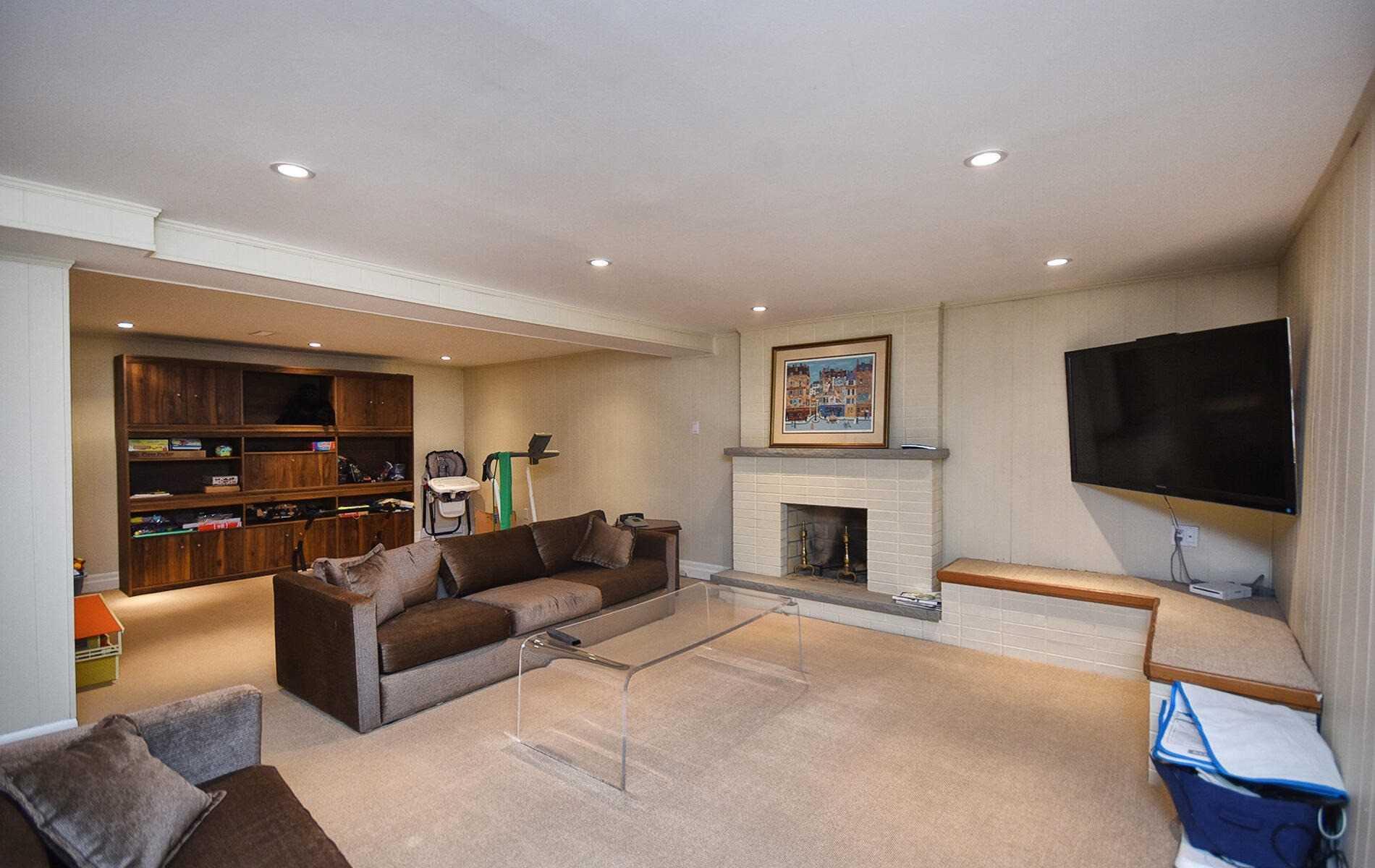 Detached house For Sale In Markham - 72 Laureleaf Rd, Markham, Ontario, Canada L3T2Y1 , 3 Bedrooms Bedrooms, ,5 BathroomsBathrooms,Detached,For Sale,Laureleaf
