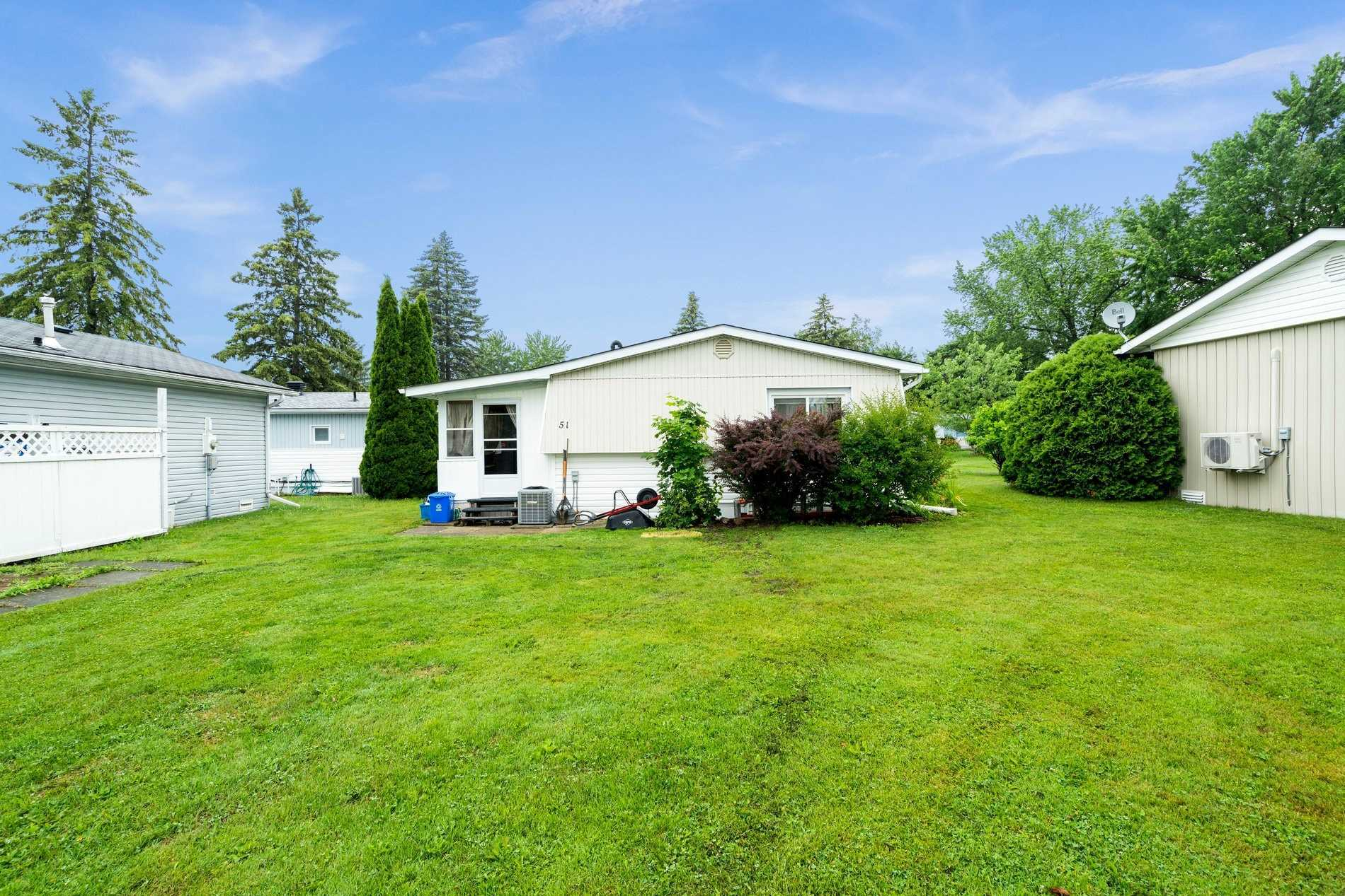 Detached house For Sale In Innisfil - 51 Hawthorne Dr, Innisfil, Ontario, Canada L9S 1P1 , 2 Bedrooms Bedrooms, ,2 BathroomsBathrooms,Detached,For Sale,Hawthorne