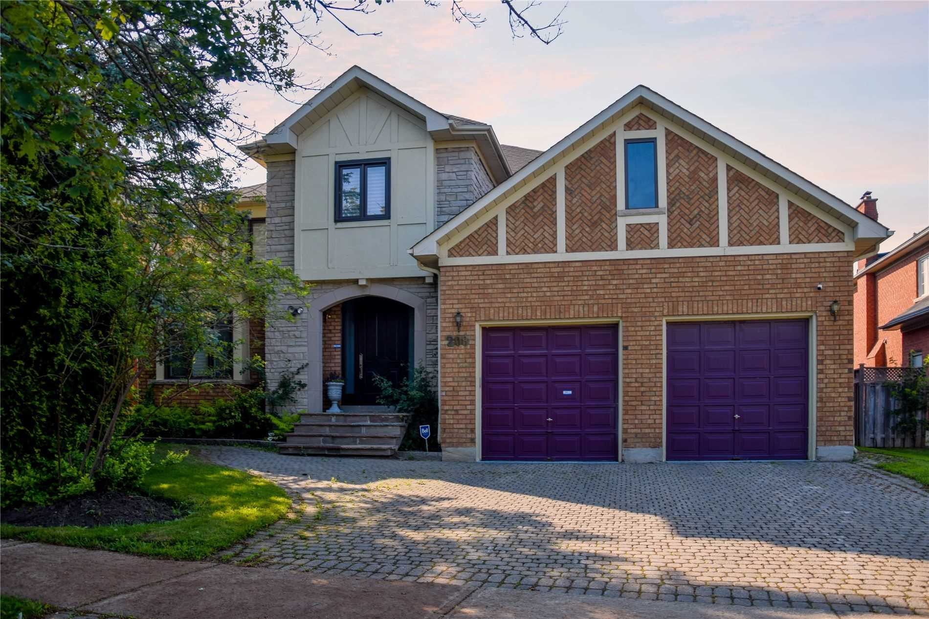 Detached house For Sale In Richmond Hill - 208 Strathearn Ave, Richmond Hill, Ontario, Canada L4B2S6 , 7 Bedrooms Bedrooms, ,5 BathroomsBathrooms,Detached,For Sale,Strathearn
