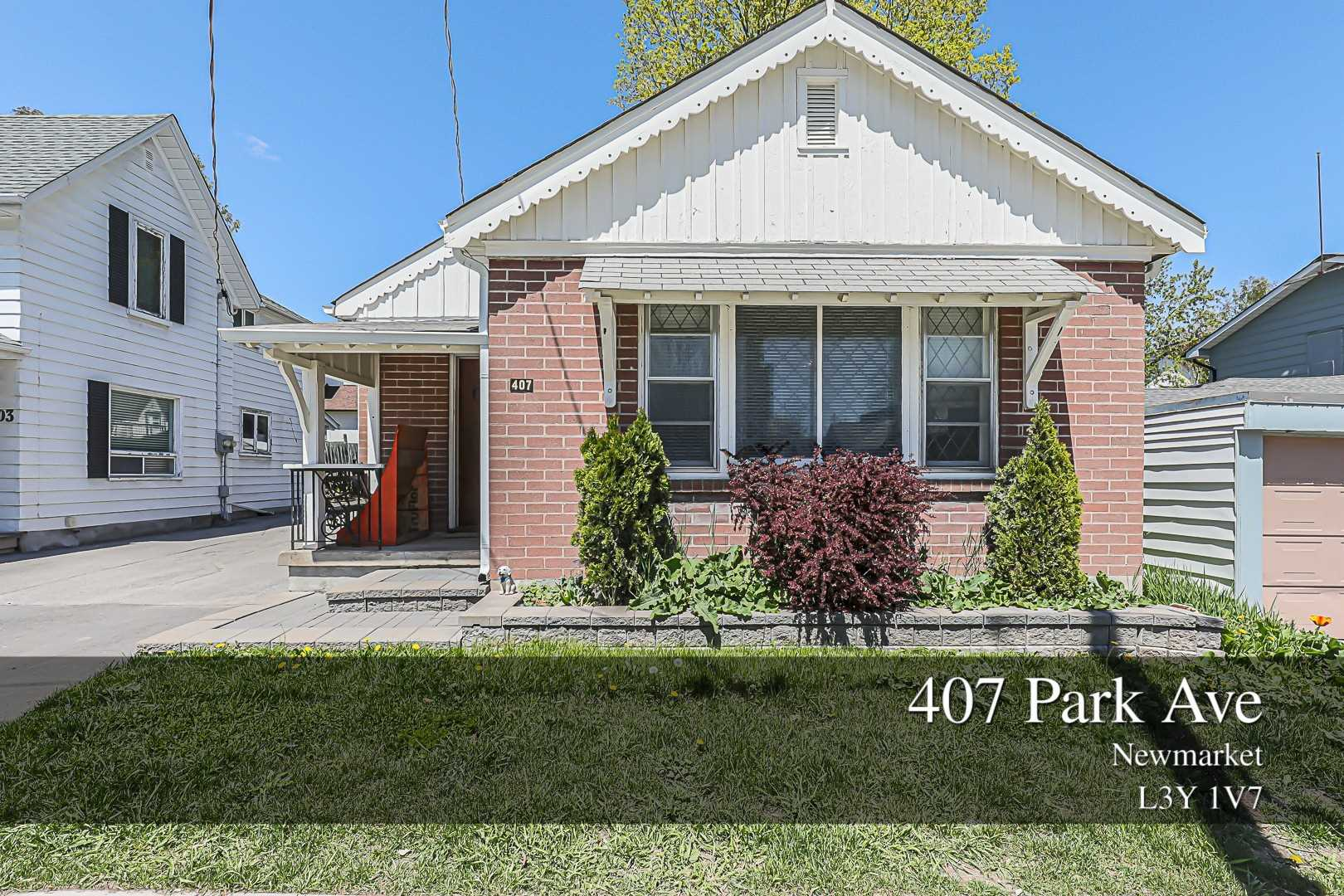 Detached house For Sale In Newmarket - 407 Park Ave, Newmarket, Ontario, Canada L3Y1V7 , 2 Bedrooms Bedrooms, ,2 BathroomsBathrooms,Detached,For Sale,Park
