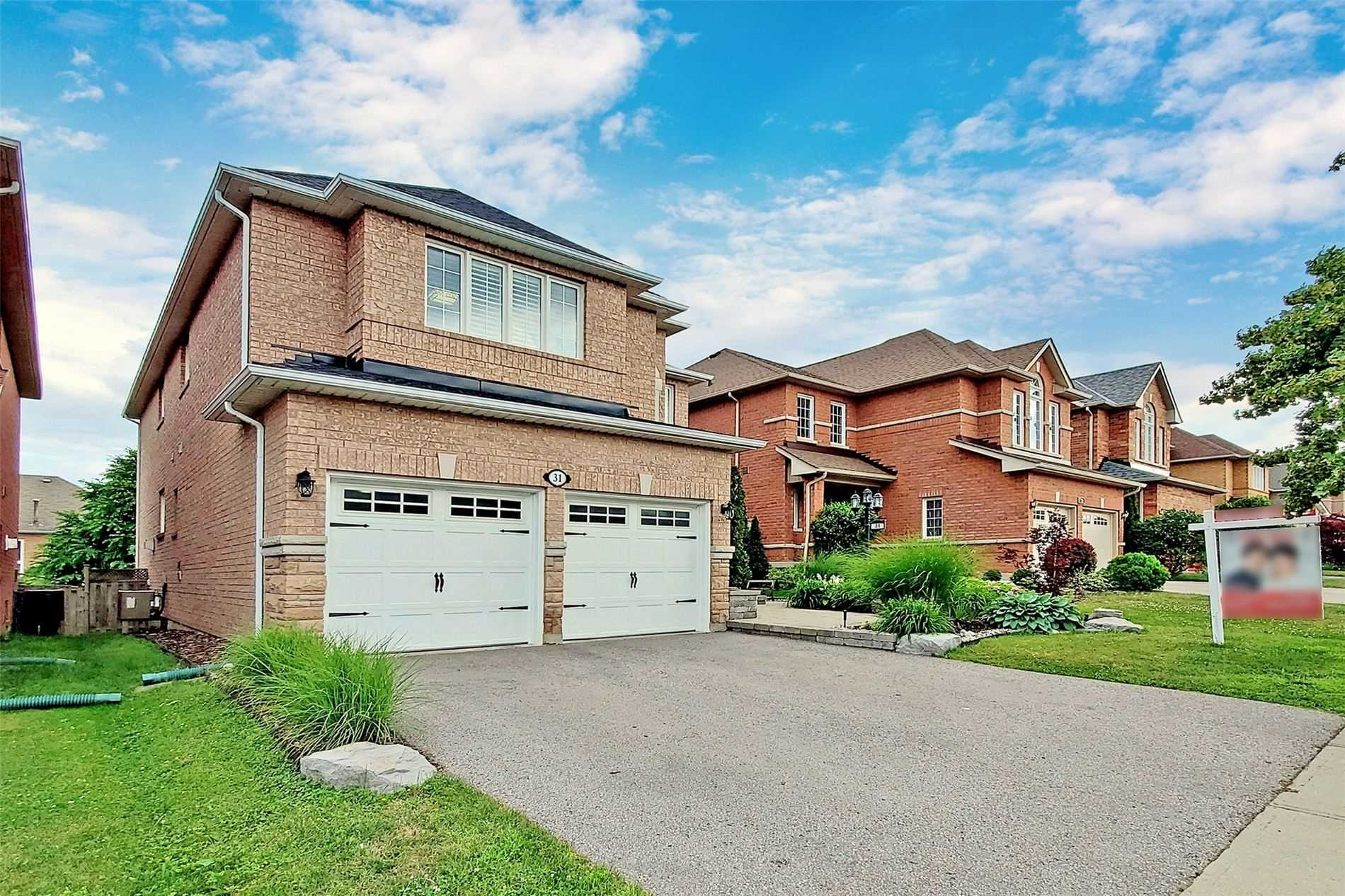 Detached house For Sale In Richmond Hill - 31 Falling River Dr, Richmond Hill, Ontario, Canada L4S2R1 , 4 Bedrooms Bedrooms, ,4 BathroomsBathrooms,Detached,For Sale,Falling River