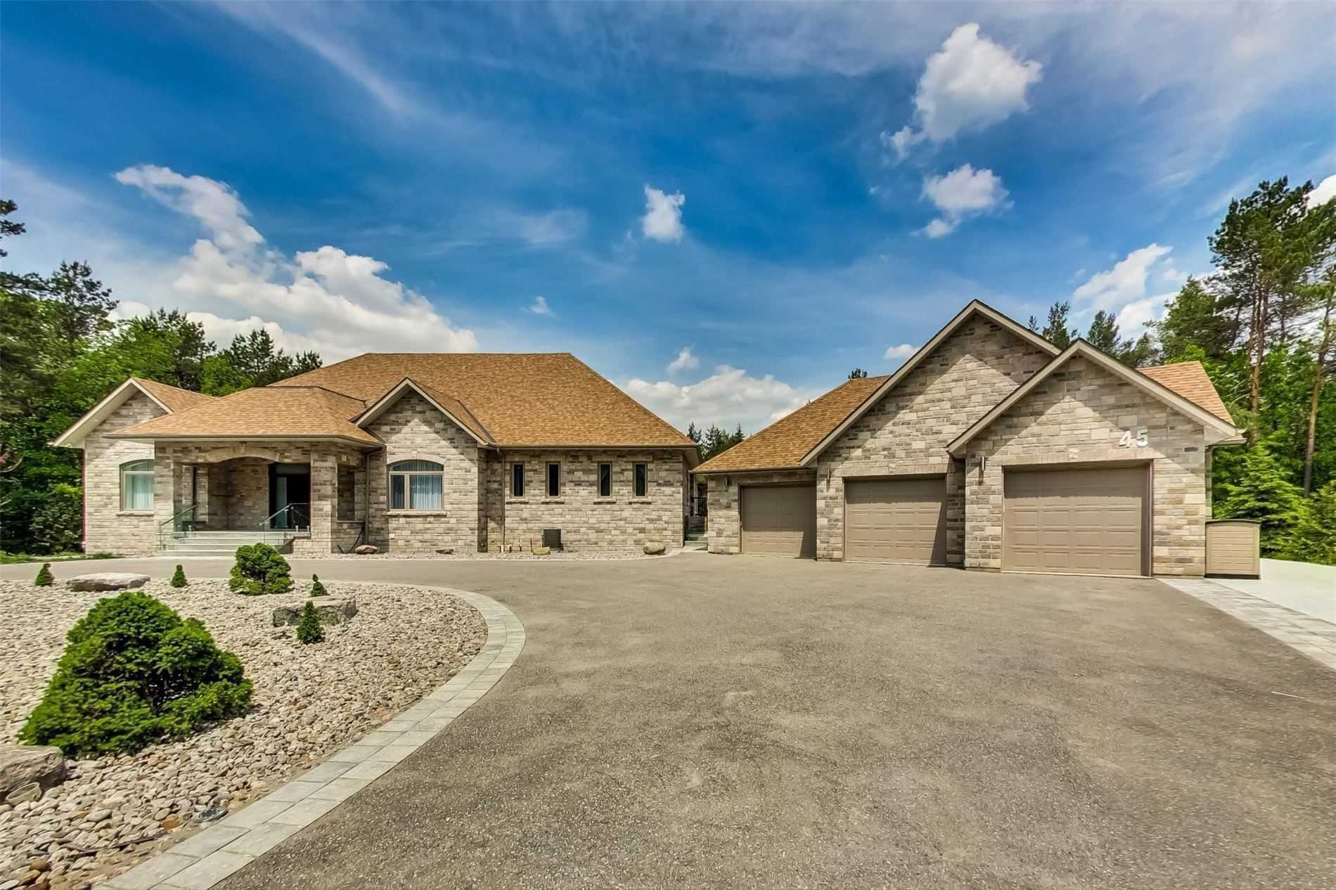 Detached house For Sale In Whitchurch-Stouffville - 45 Loggers Tr, Whitchurch-Stouffville, Ontario, Canada L3Y4W1 , 4 Bedrooms Bedrooms, ,4 BathroomsBathrooms,Detached,For Sale,Loggers