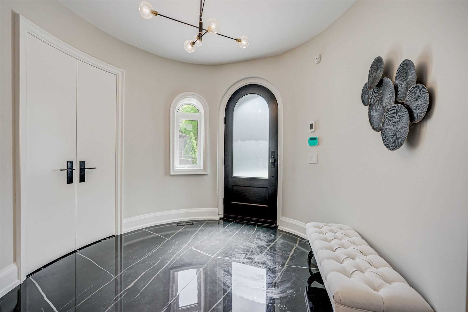 33 Gardiner Rd, Toronto, Ontario M5P3B6, 5 Bedrooms Bedrooms, 12 Rooms Rooms,5 BathroomsBathrooms,Detached,For Sale,Gardiner,C5304126