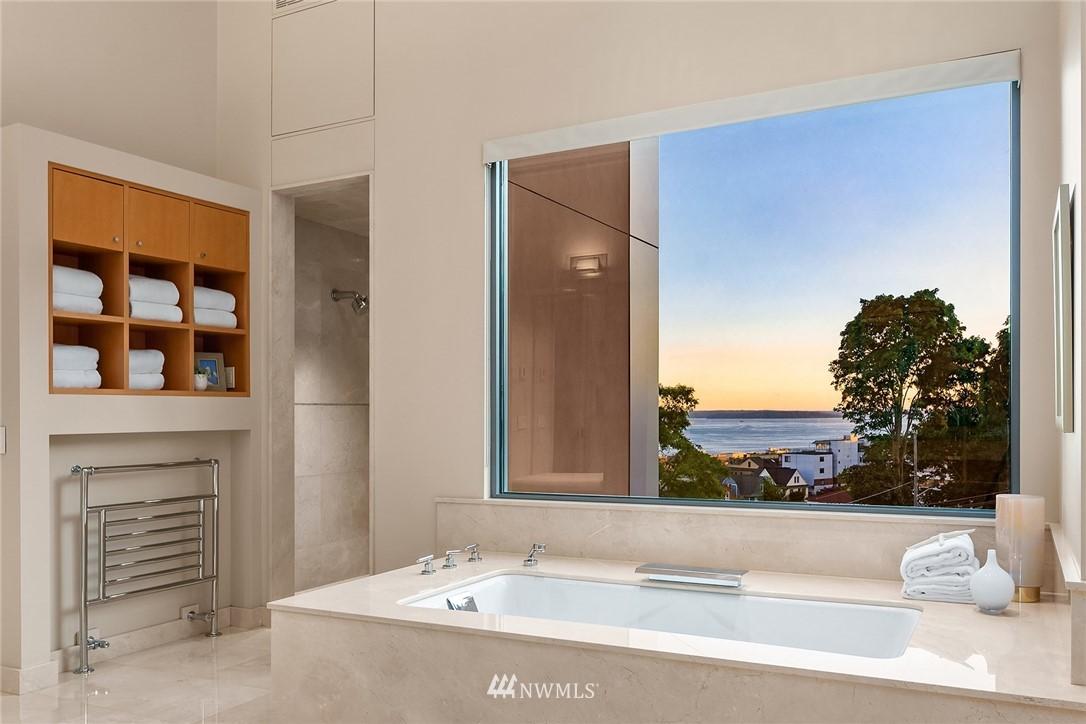 300 Ward Street, Seattle, Washington 98109, 4 Bedrooms Bedrooms, ,2 BathroomsBathrooms,Residential,For Sale,Ward,NWM1793619