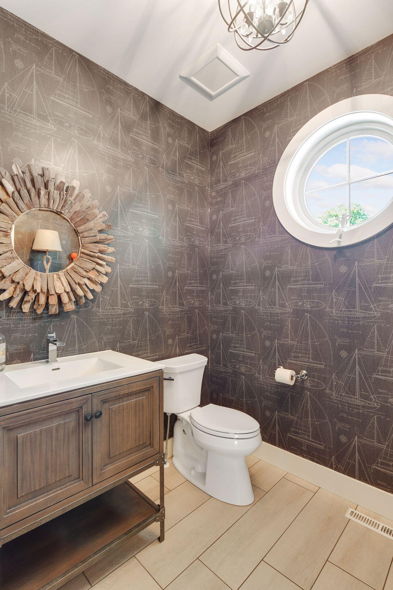 123 Broadway Avenue, Wayzata, Minnesota 55391, 4 Bedrooms Bedrooms, ,2 BathroomsBathrooms,Residential,For Sale,Broadway,NST6010571